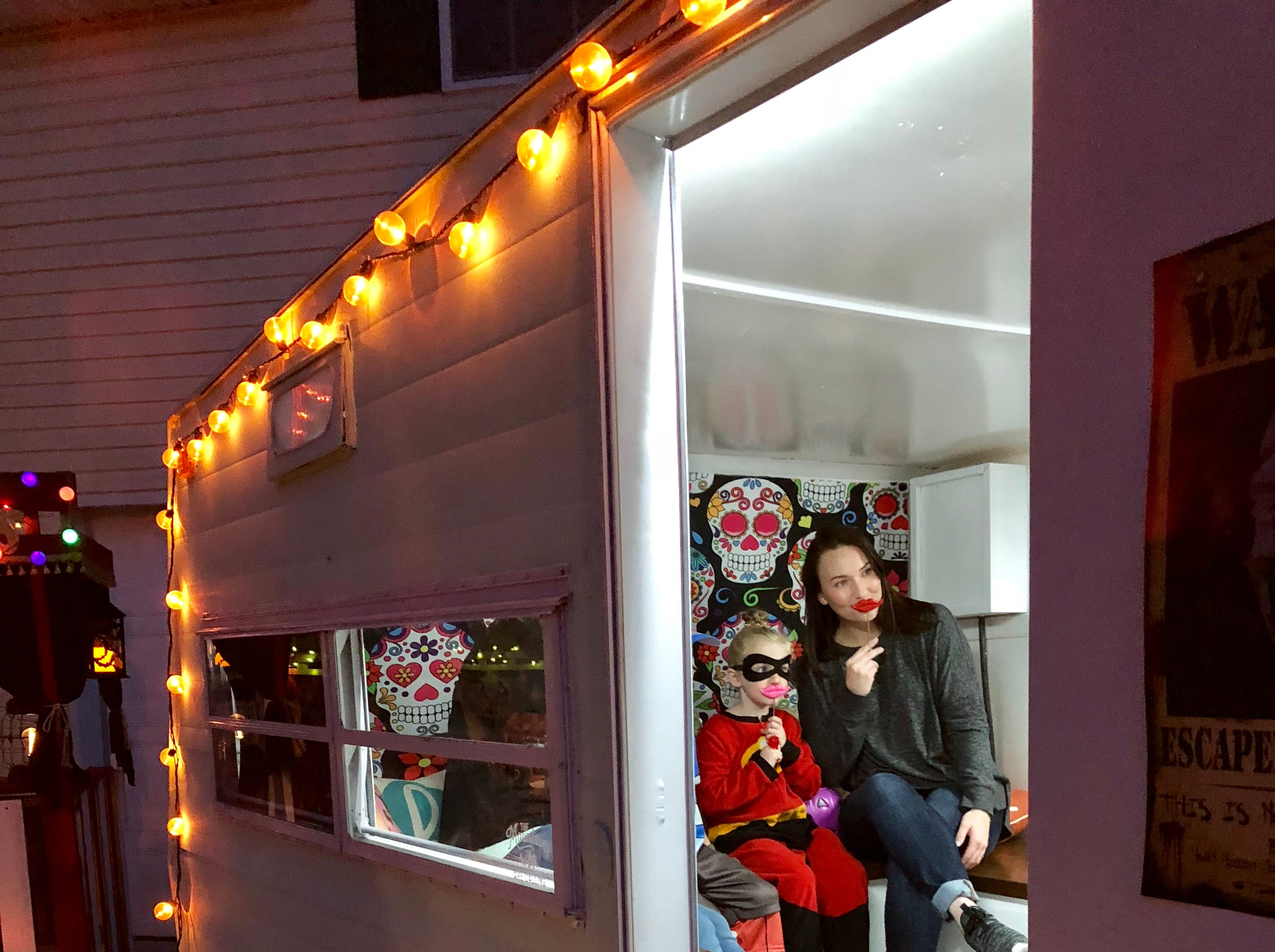 A glimpse of the Lark Shutter Bird Photo Camper decorated for Halloween.