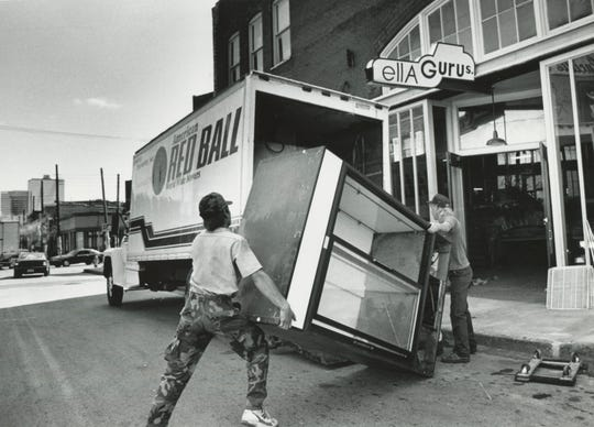 Movers load up equipment as Ella Guru's moves from the Old City to the Foundry on Sept. 17, 1990. The club, which regularly presents concerts by both popular and critically acclaimed musicians, filed for Chapter 11 reorganization in May.