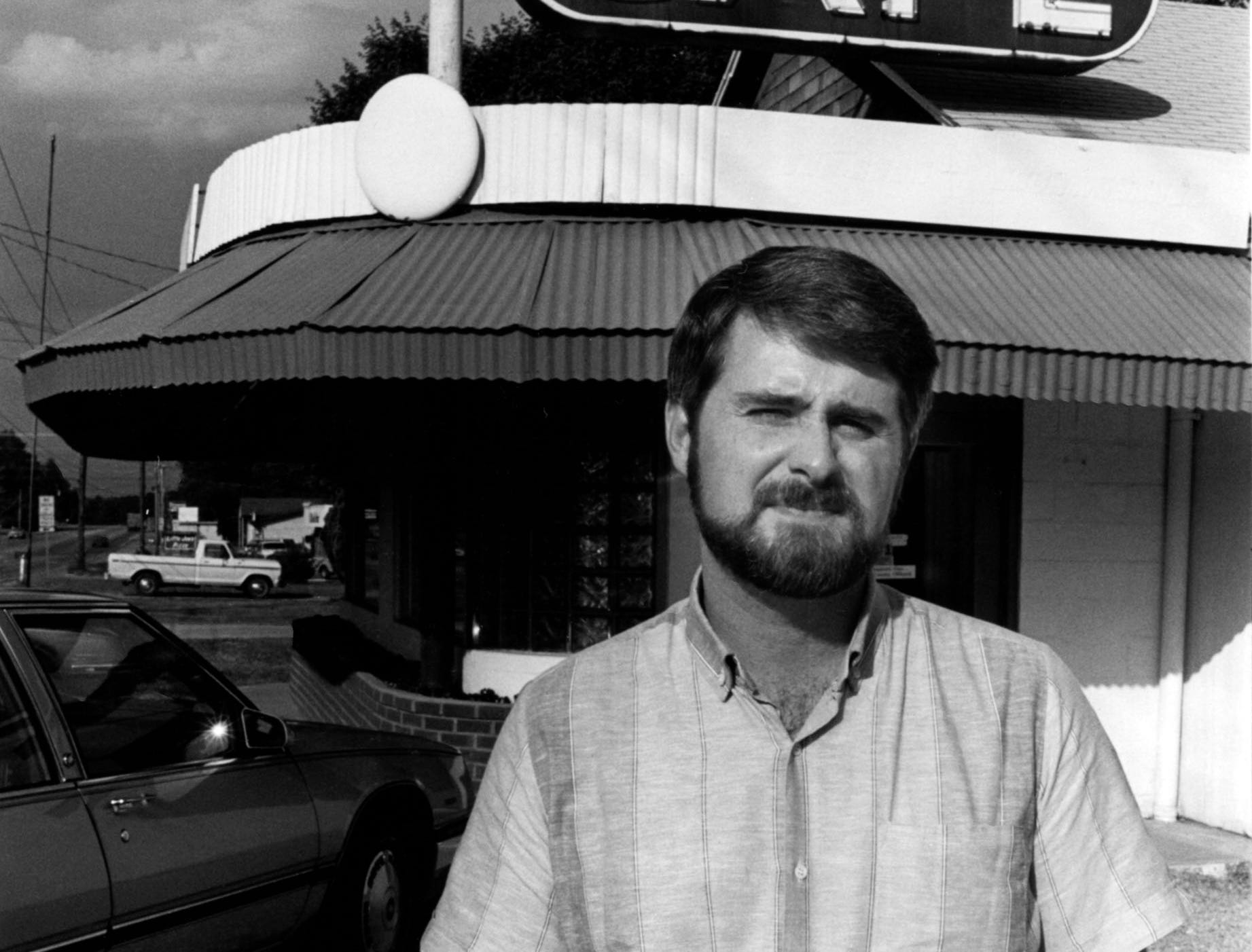 Robert Glen, one of the owners at Court Cafe near Dixie Lee Junction in 1987.