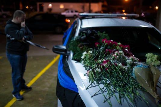 Lmpd Death Flowers J6t8640