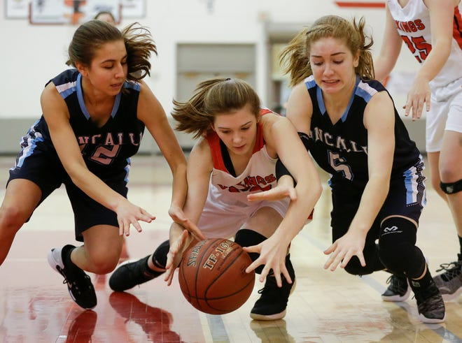 The Valders girls basketball team has defeated Eastern Wisconsin Conference opponents by  an average of 30 points through six conference contests.