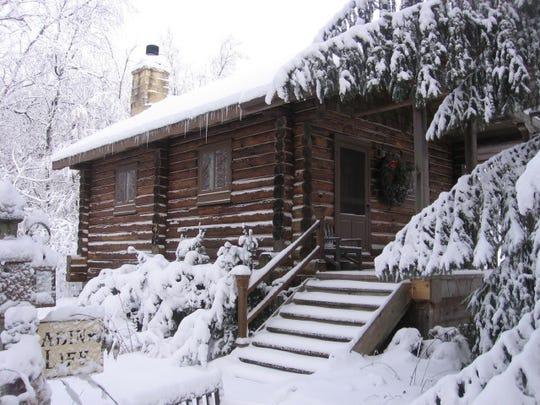 Walnut Ridge Log Cabin offers modern luxuries with a historic feel.