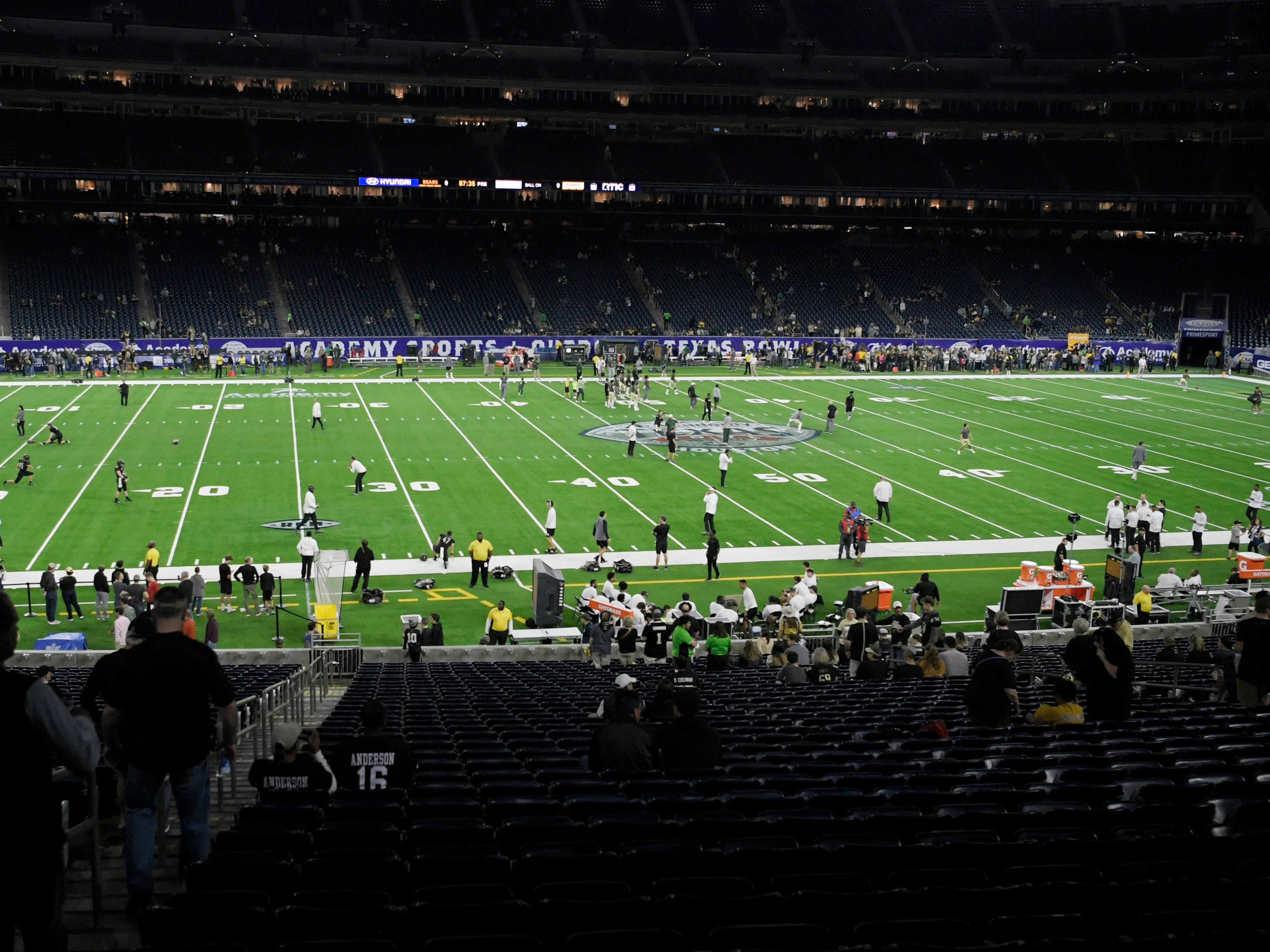 Vanderbilt warms up before the Academy Sports + Outdoors Texas Bowl at NRG Stadium in Houston on Thursday, Dec. 27, 2018.