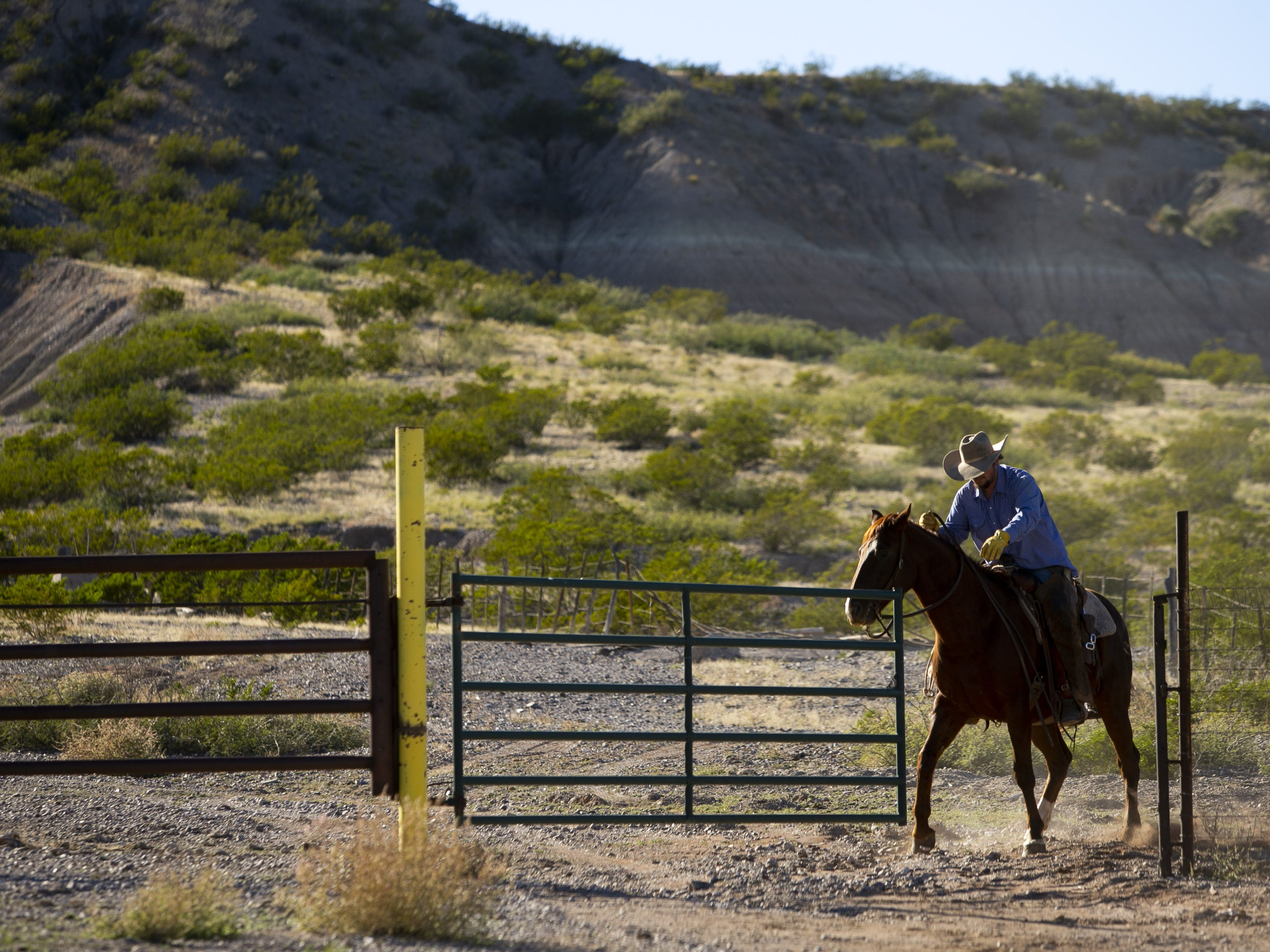 Cowboy Clayton Davis at the Lazy B Ranch outside of Duncan, Ariz., on Nov.r 2, 2018. Former Supreme Court Justice Sandra Day O'Connor grew up on the ranch.