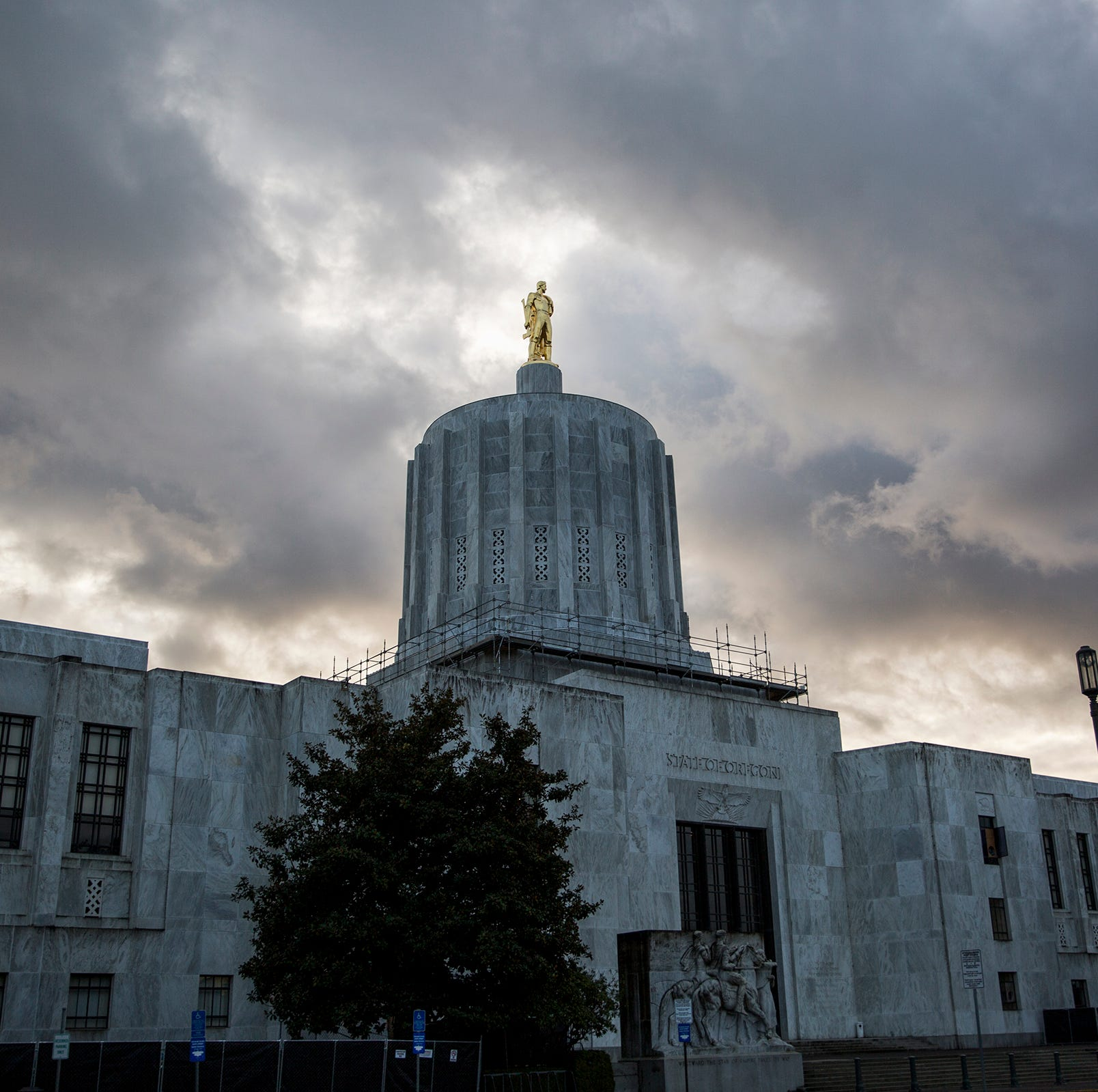 Tax advocates push for Oregon to close offshore corporate loophole