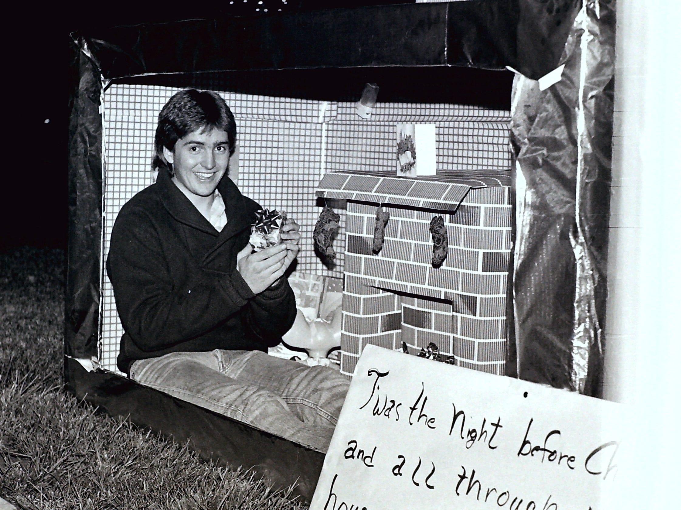 Dixie Center Christmas lighting circa 1985.