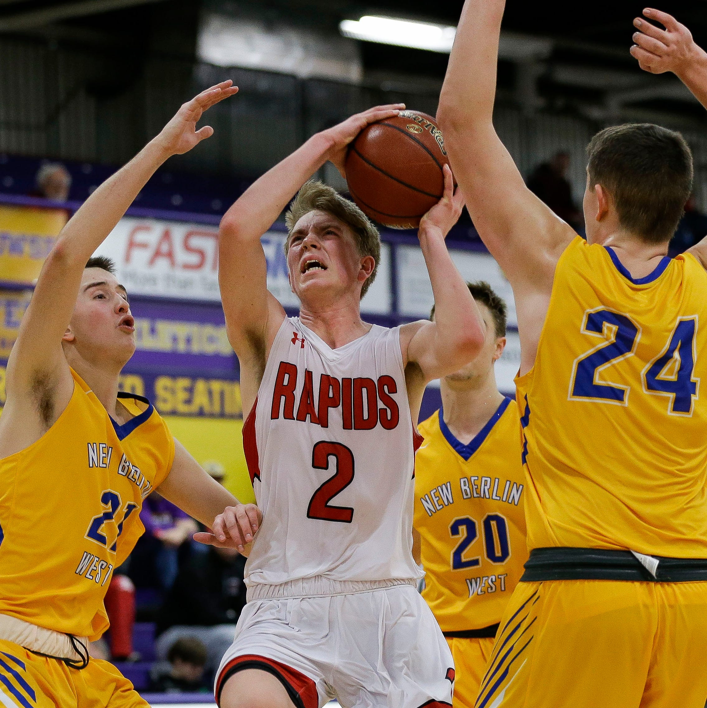 Boys basketball: Comeback bid falls short in Raiders loss to New Berlin West