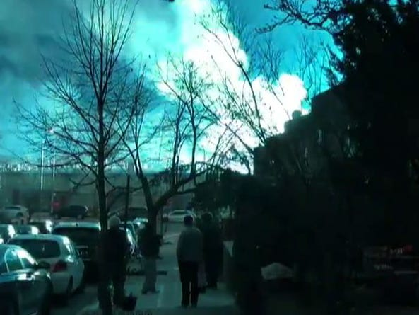 "This video grab taken from footage obtained courtesy of Andrew Rios taken on December 27, 2018, shows a blue light caused by a transformer explosion at a power plant in Queens on December 27, 2018. - An alien invasion? The Rapture? The sky flashed an eerie blue over New York City on Thursday night, December 27, 2018, and social media users feared the worst. In the end, the explanation turned out to be somewhat more mundane: a problem at a local power plant. ""The lights you have seen throughout the city appear to have been from a transformer explosion at a Con Ed facility in Queens. The fire is under control, will update as more info becomes available,"" the New York Police Department tweeted. (Photo by Andrew RIOS / Twitter account of Andrew Rios / AFP) / RESTRICTED TO EDITORIAL USE - MANDATORY CREDIT ""AFP PHOTO / ANDREW RIOS / TWITTER"" - NO MARKETING NO ADVERTISING CAMPAIGNS - DISTRIBUTED AS A SERVICE TO CLIENTS ---ANDREW RIOS/AFP/Getty Images ORIG FILE ID: AFP_1BV05H"