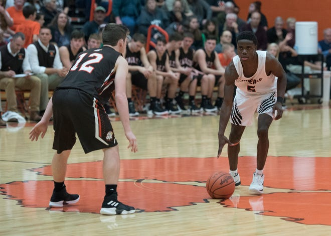 Waverly defeated Piketon 60-38 on Saturday to finished third in the Pike County Classic.