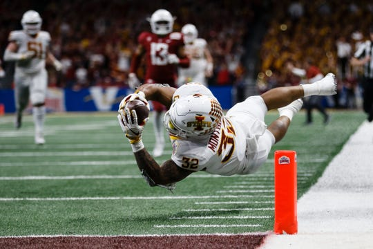 Iowa State's David Montgomery (32) tries to dive into the end zone during the Valero Alamo Bowl on Saturday, Dec. 29, 2018, in San Antonio. Washington State would go on to win 28-26.
