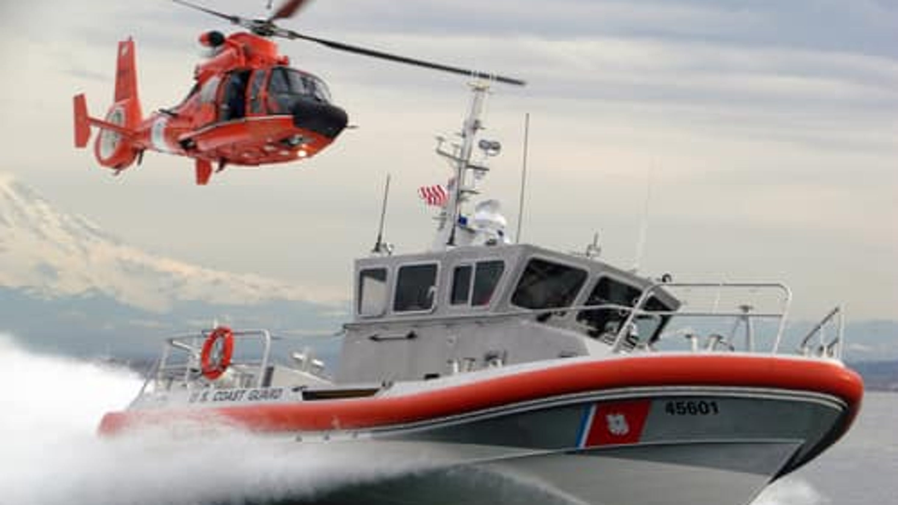 4 kayakers rescued near grosse ile on detroit river