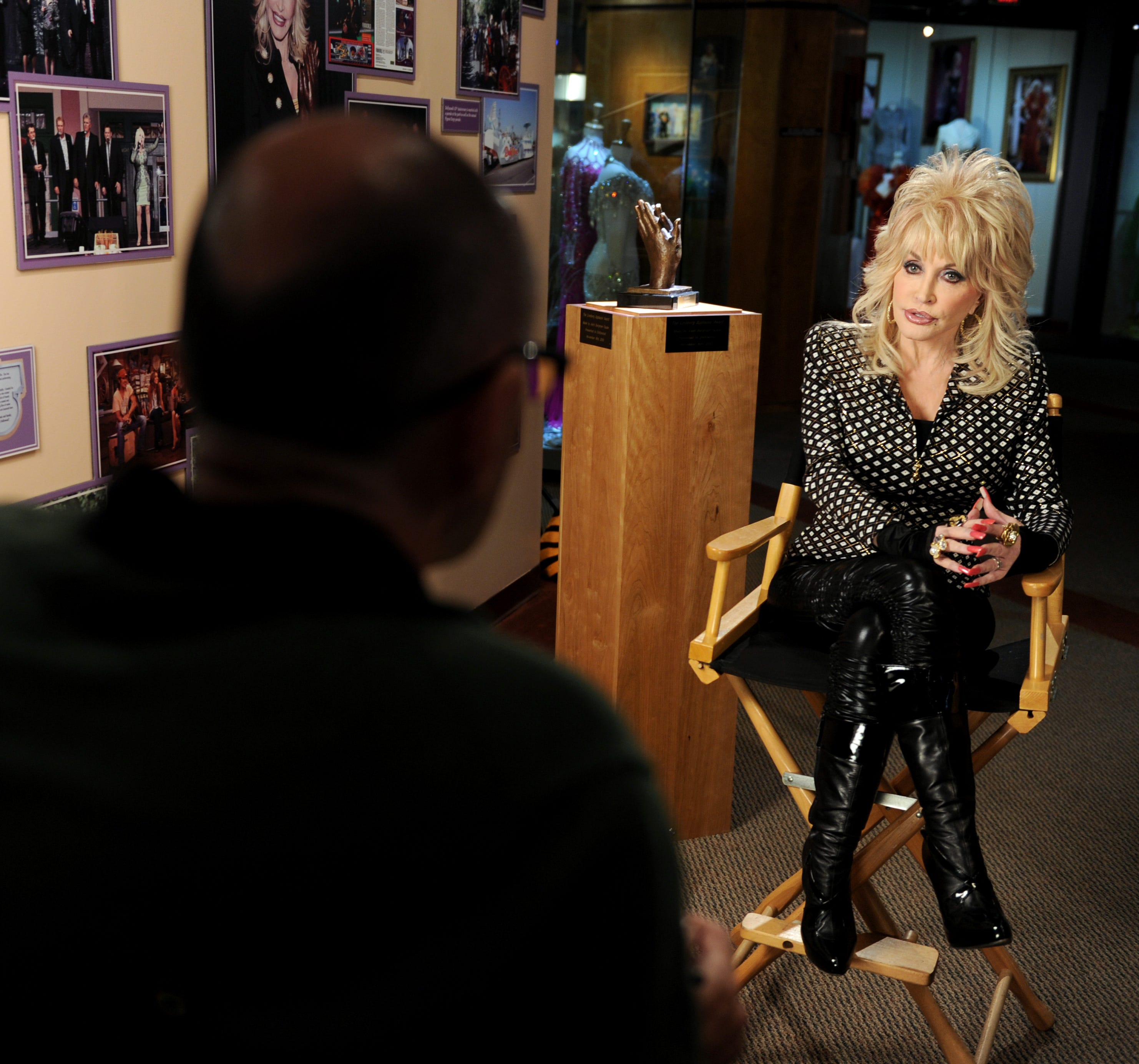 Dolly Parton talks #MeToo in the most Dolly Parton way