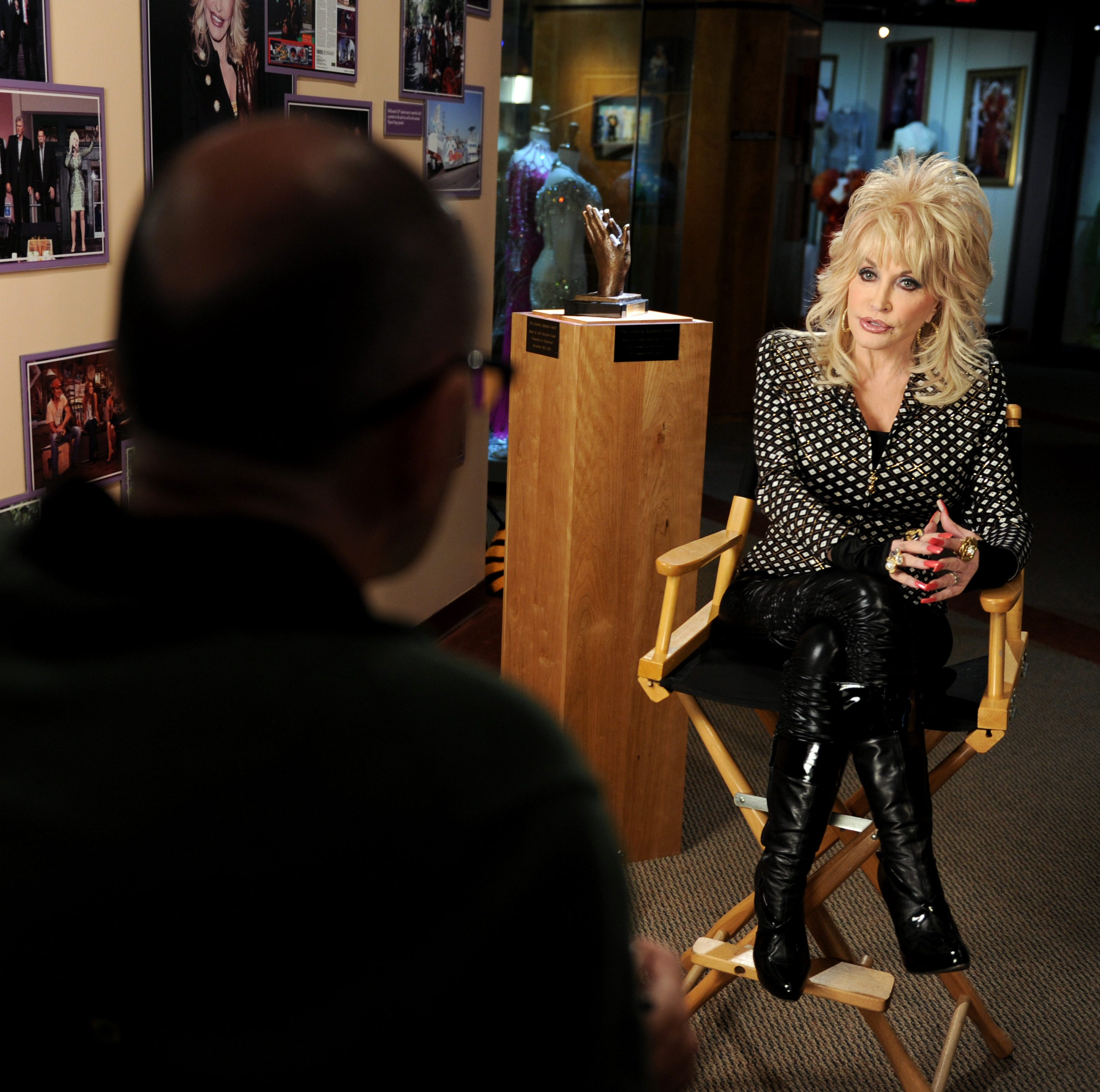 Dolly Parton talks #MeToo in the most Dolly Parton way