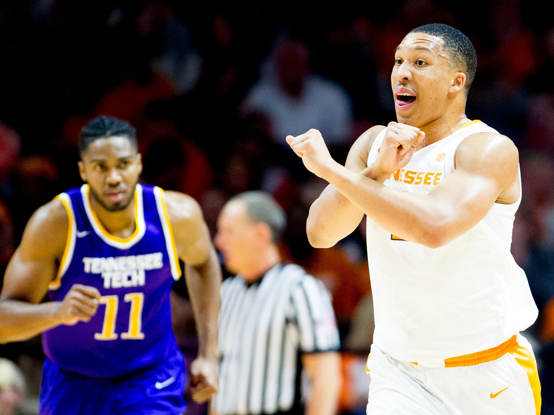 Tennessee forward Grant Williams (2) gestures to teammates during a game between Tennessee and Tennessee Tech at Thompson-Boling Arena in Knoxville, Tennessee on Saturday, December 29, 2018.