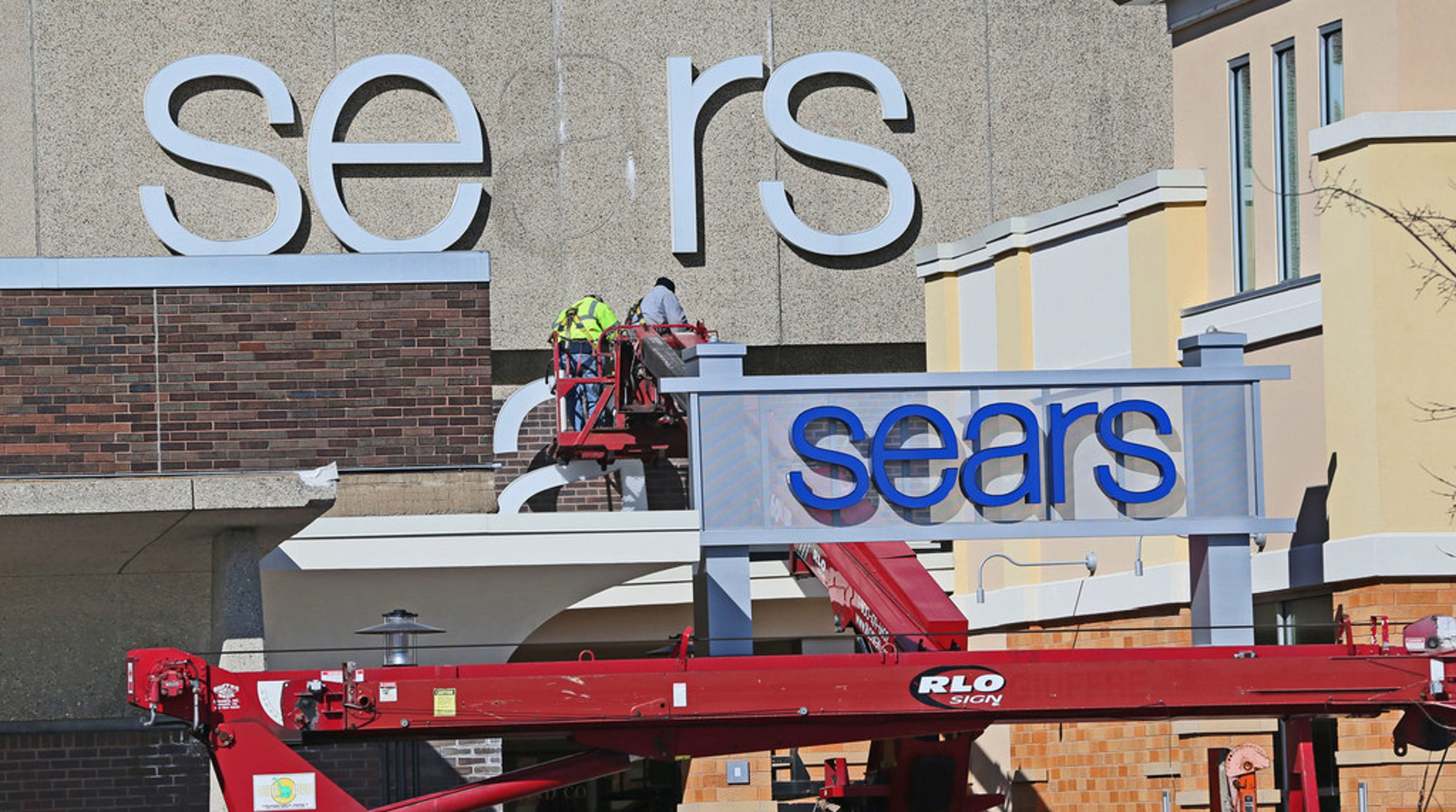 61cb8ee452d89 Sears closing more stores as future of once-dominant chain remains unclear