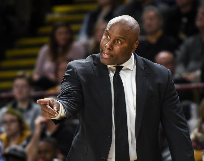 UW-Milwaukee coach Pat Baldwin instructs his team last season.