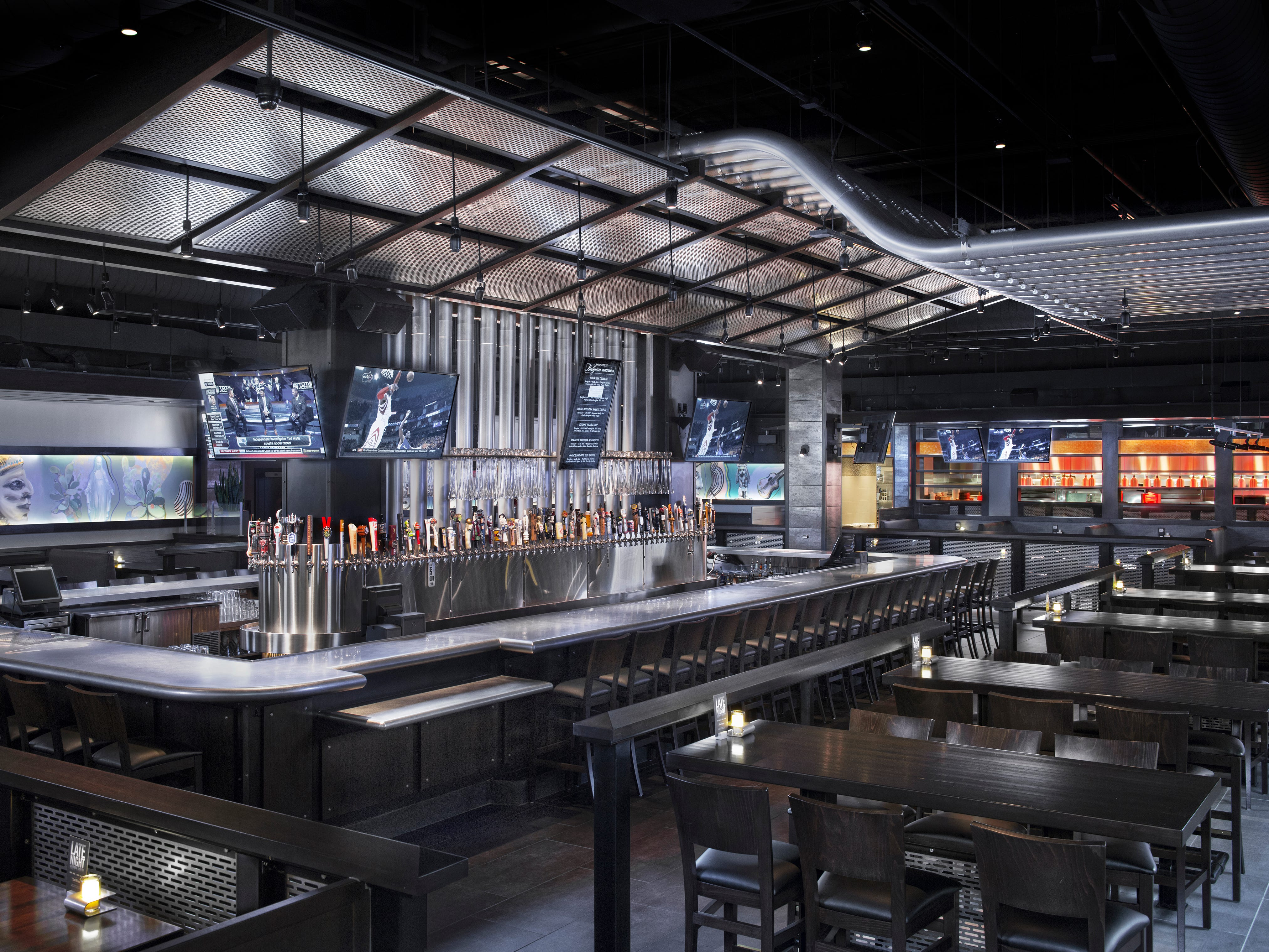 Yard House restaurant and bar, which features more than 130 beers on tap, will open Jan. 21, 2019, in Park Shore Plaza on U.S. 41 in Naples.