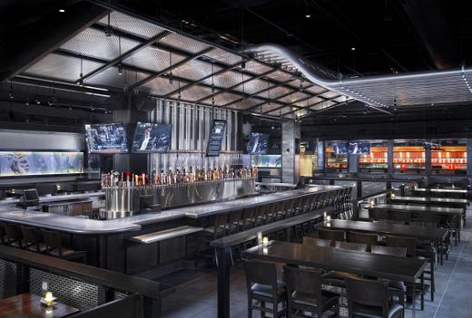 Naples Restaurants Yard House Is For The Beer Lovers