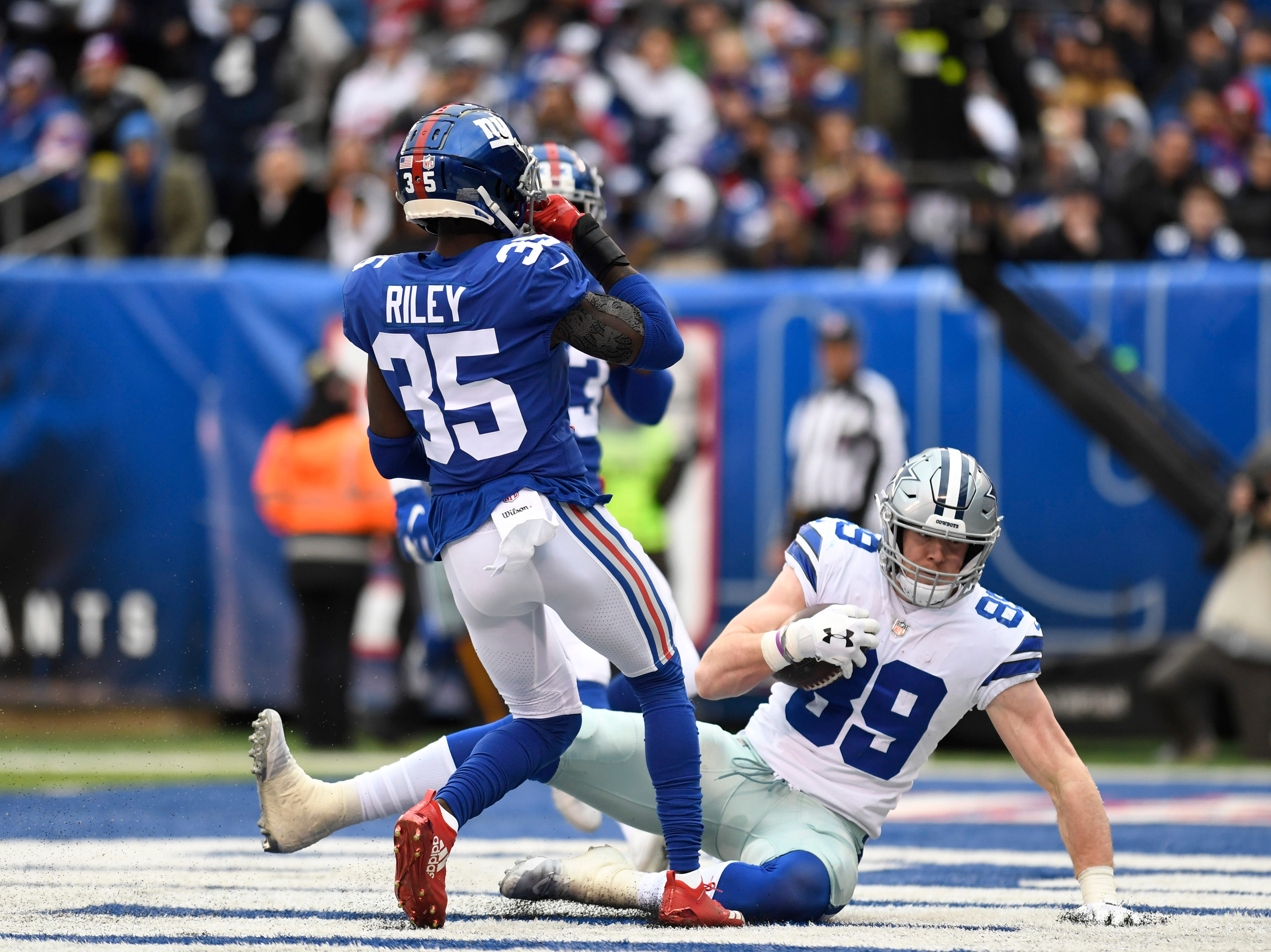 Dallas Cowboys tight end Blake Jarwin (89) makes a touchdown catch in the first half. The New York Giants face the Dallas Cowboys in the last regular season game on Sunday, Dec. 30, 2018, in East Rutherford.