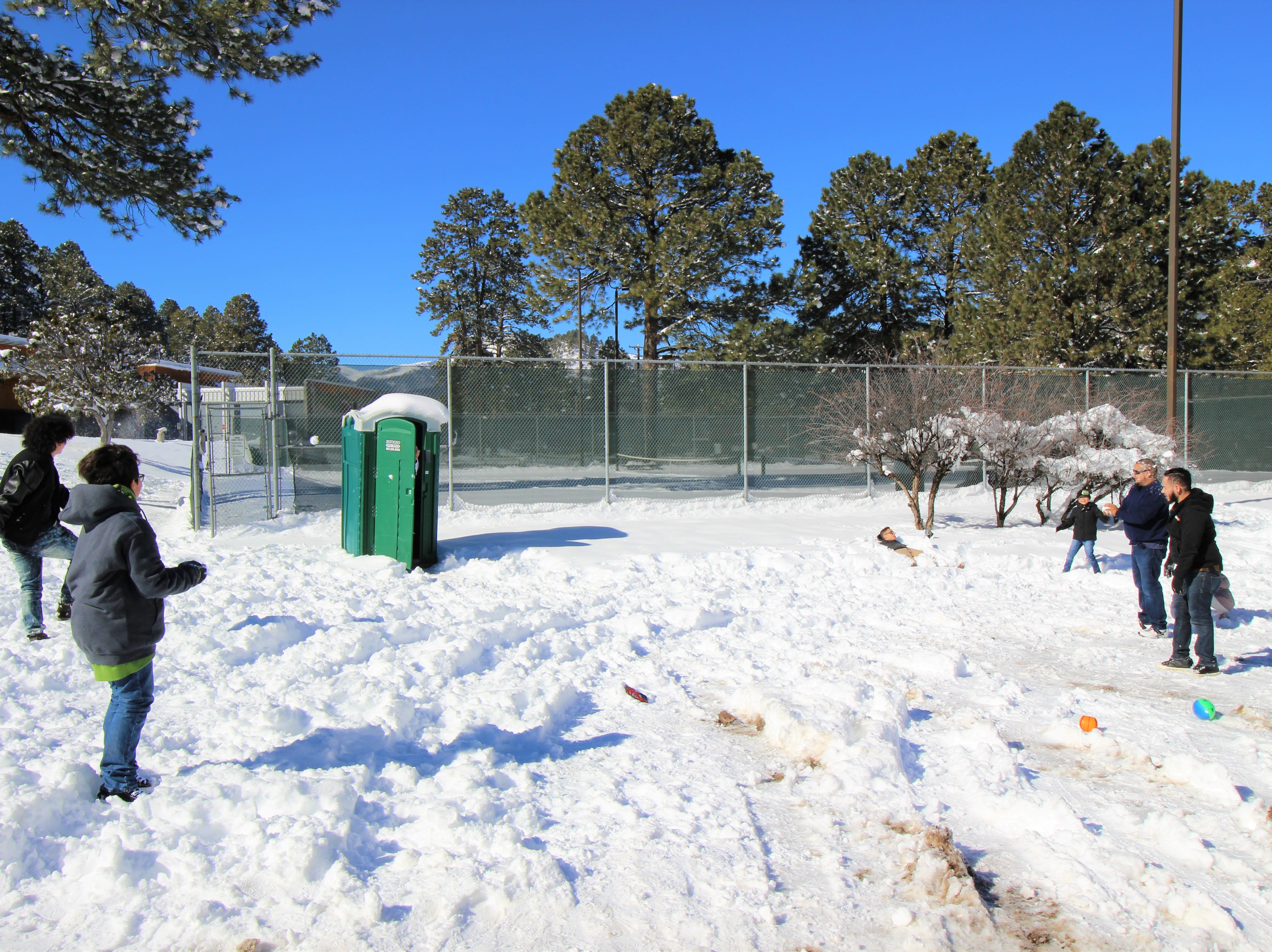 A family from Texas is enjoying the sunshine after a major snow storm hit Lincoln County.