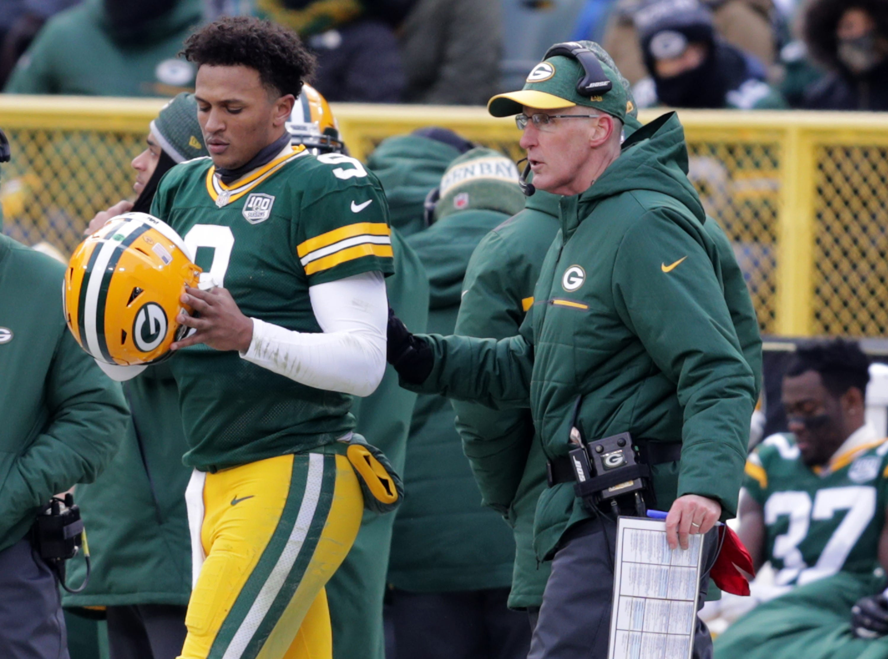 The Green Bay Packers interim head coach Joe Philbin with DeShone Kizer during the Packers' 31 to 0 loss to the Detroit Lions during their football game on Sunday, December 30, 2018, at Lambeau Field in Green Bay, Wis. Wm. Glasheen/USA TODAY NETWORK-Wisconsin.