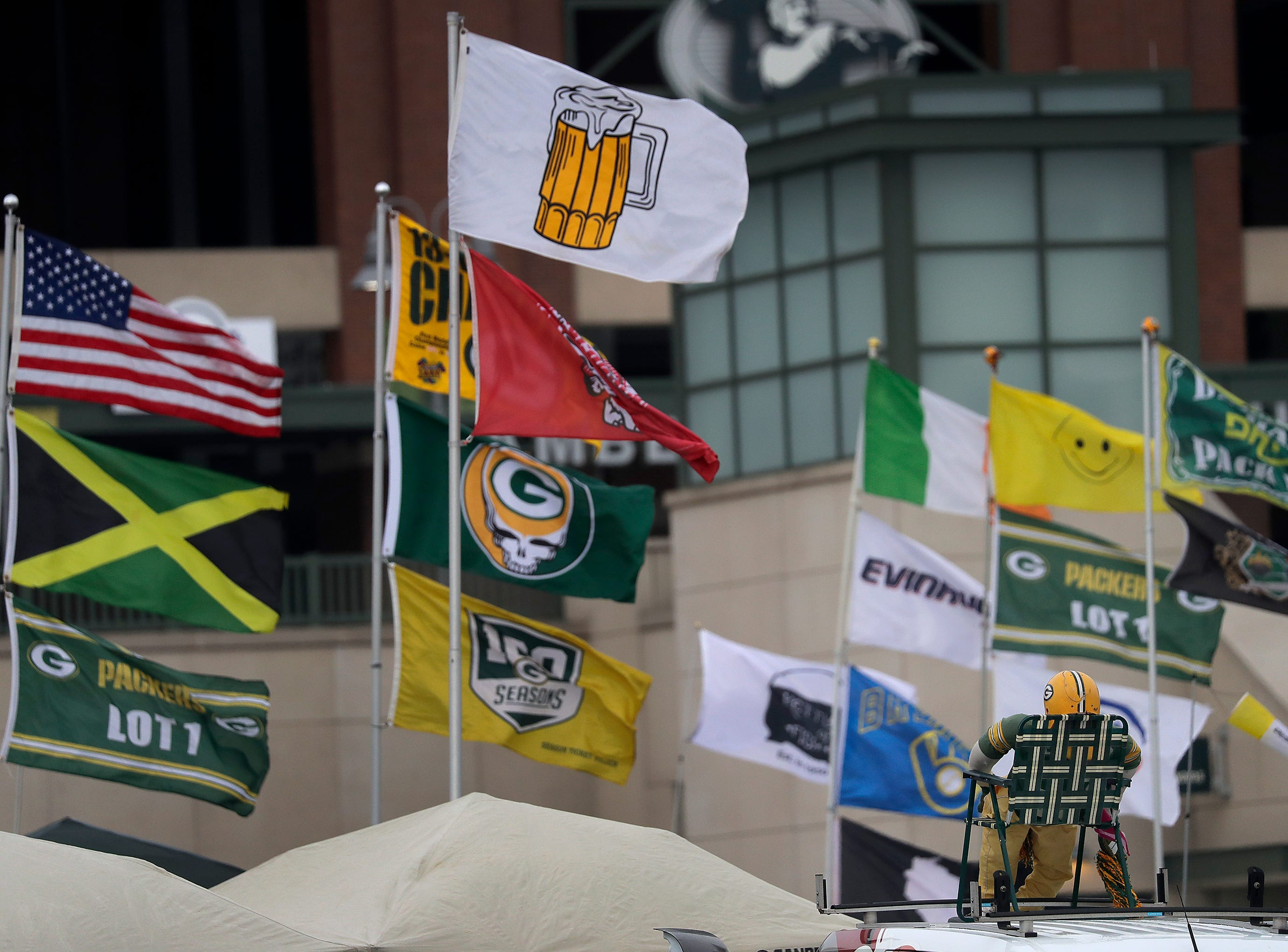 Strong winds gust through the parking lot before the Green Bay Packers take on the Detroit Lions on Sunday, December 30, 2018, at Lambeau Field in Green Bay, Wis.