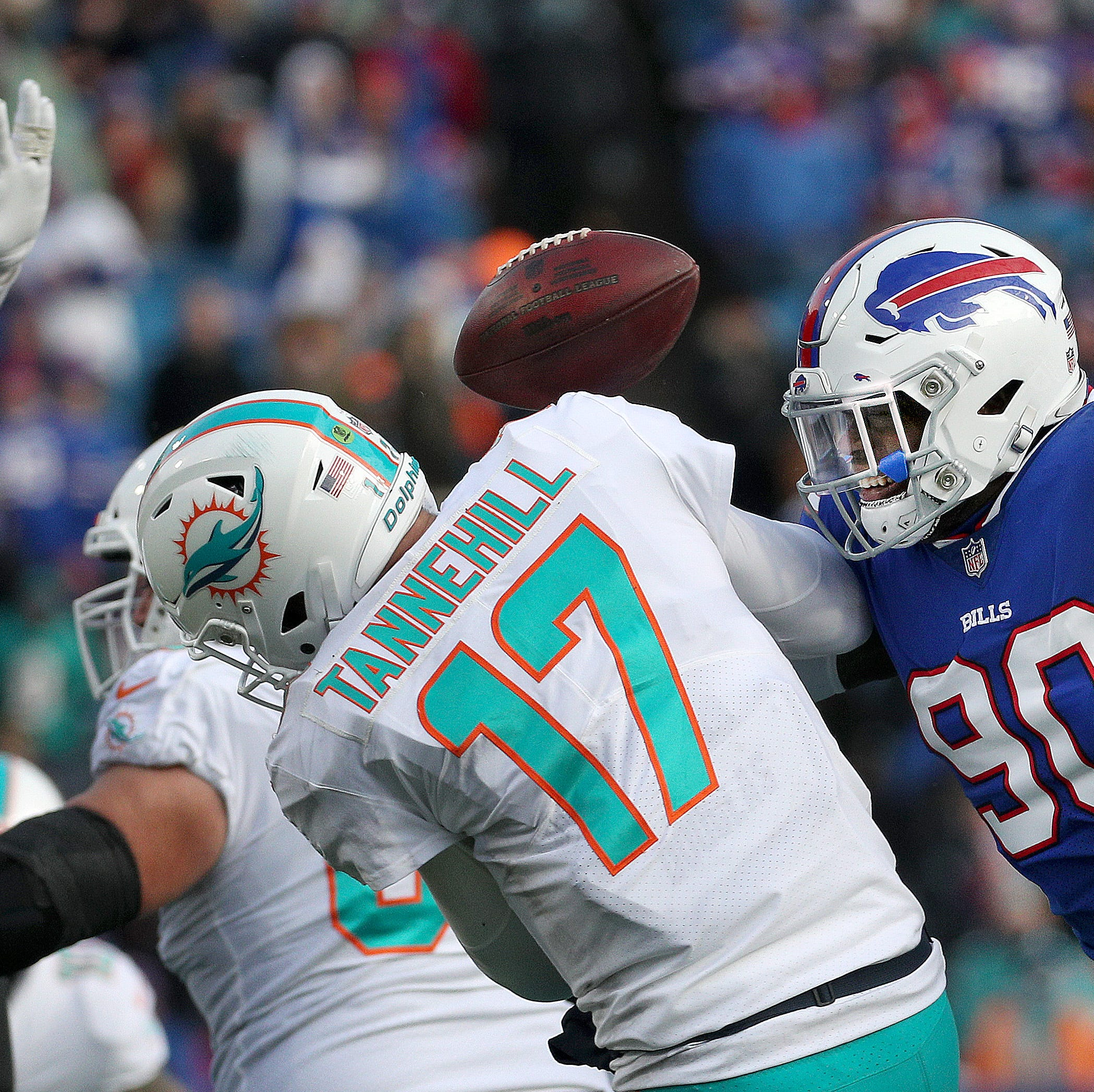 Shaq Lawson was improved in 2018, but should Bills invest a fifth year in him?