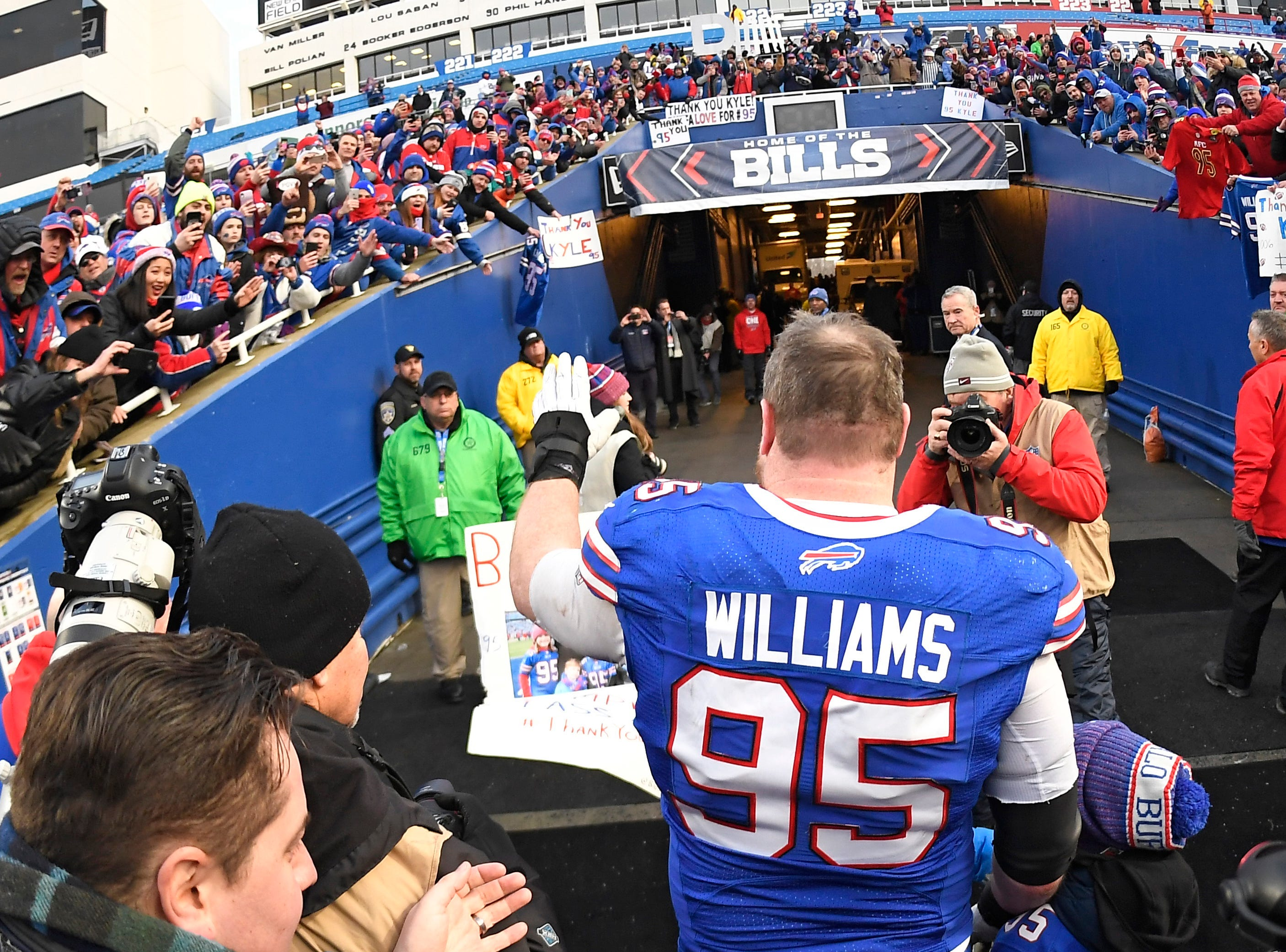 Buffalo Bills defensive tackle Kyle Williams (95) waves to fans after an NFL football game against the Miami Dolphins, Sunday, Dec. 30, 2018, in Orchard Park, N.Y. The Bills won 42-17. (AP Photo/Adrian Kraus)
