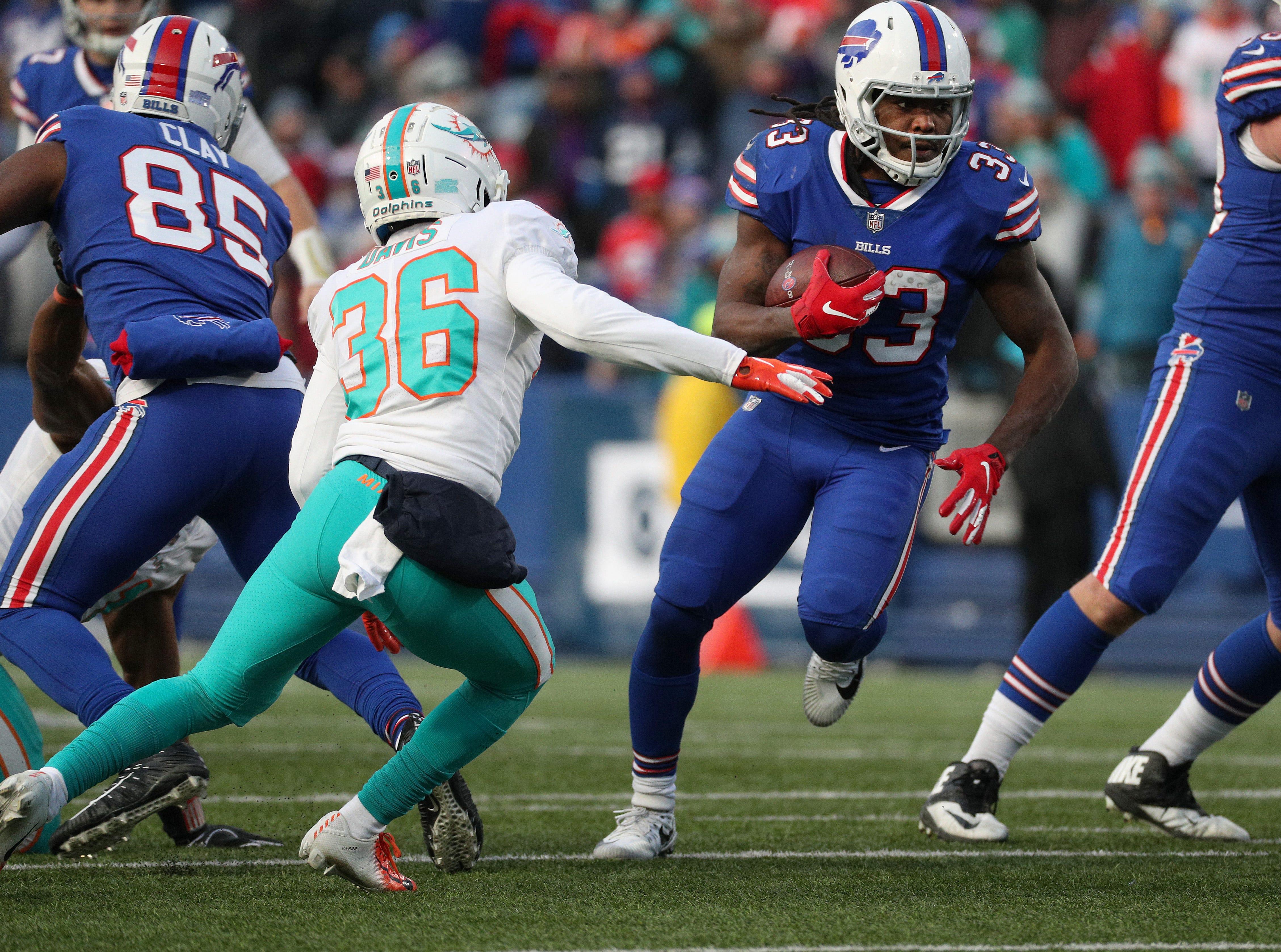 Bills running back Chris Ivory looks for running room.