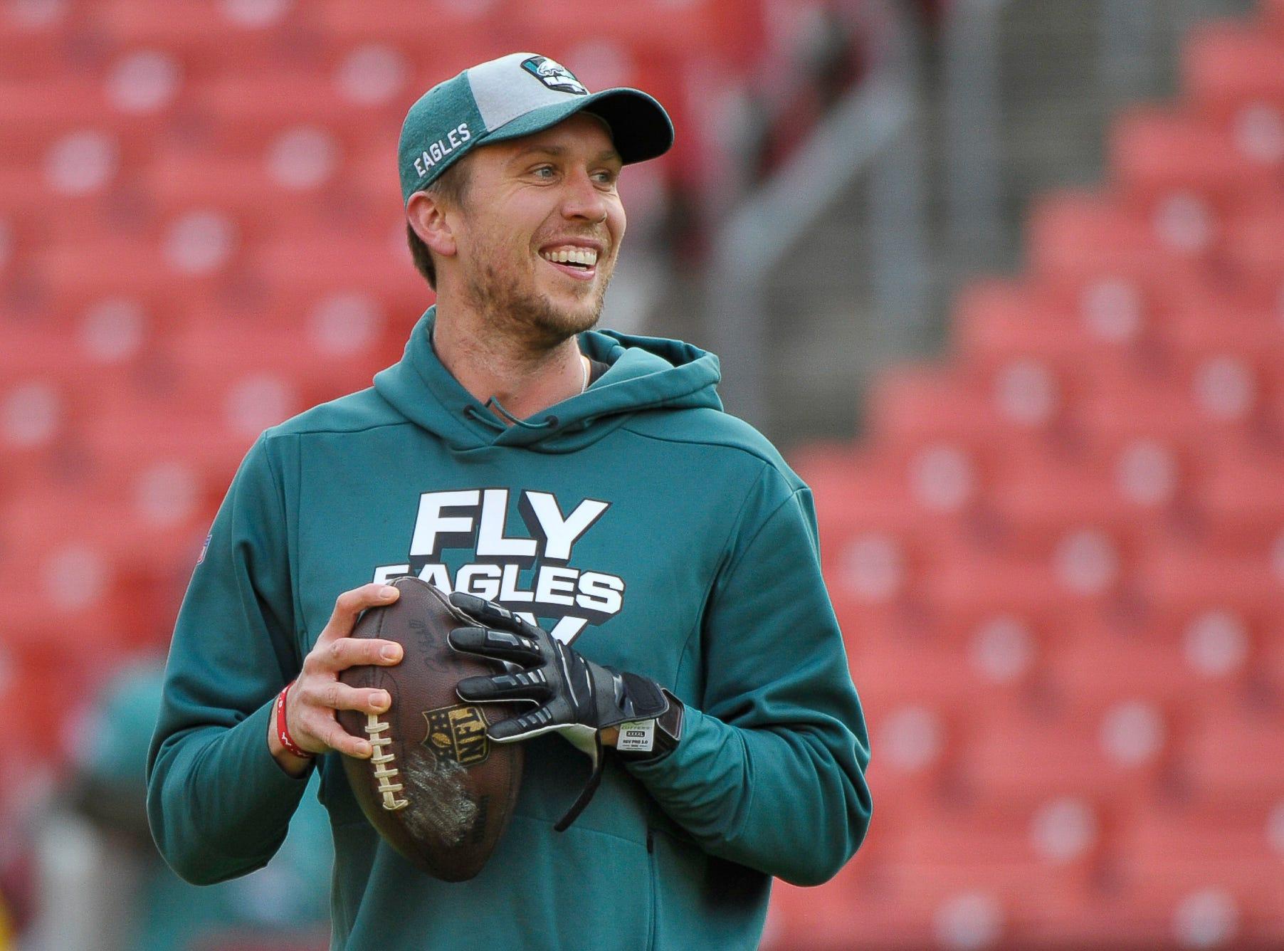 Eagles-Nick Foles matchup set; team signs a quarterback