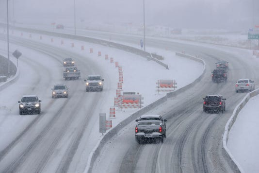Wisconsin weather: Two die in crashes as winter storm hits Fox Valley