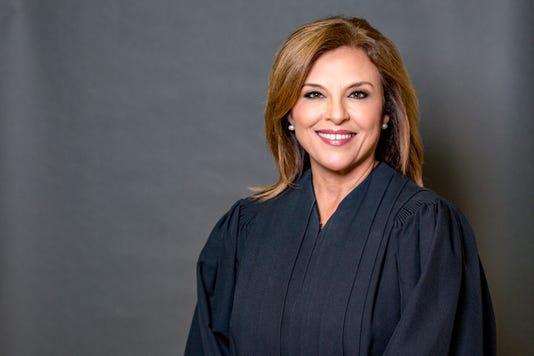 Dori Contreras