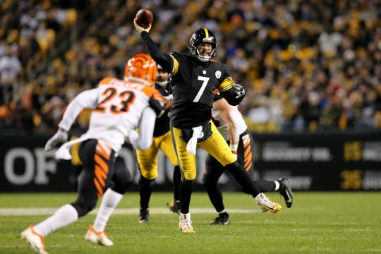 Pittsburgh Steelers quarterback Ben Roethlisberger (7) throws on the run in the fourth quarter of a Week 17 NFL football game against the Cincinnati Bengals, Sunday, Dec. 30, 2018, at Heinz Field in Pittsburgh. The Cincinnati Bengals lead 10-3 at halftime. The Pittsburgh Steelers won 16-13.