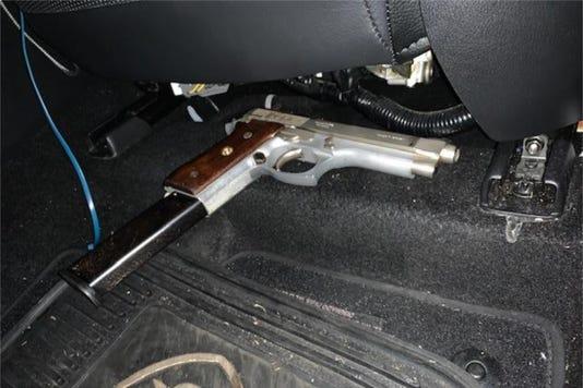 Fly Lounge Gun1