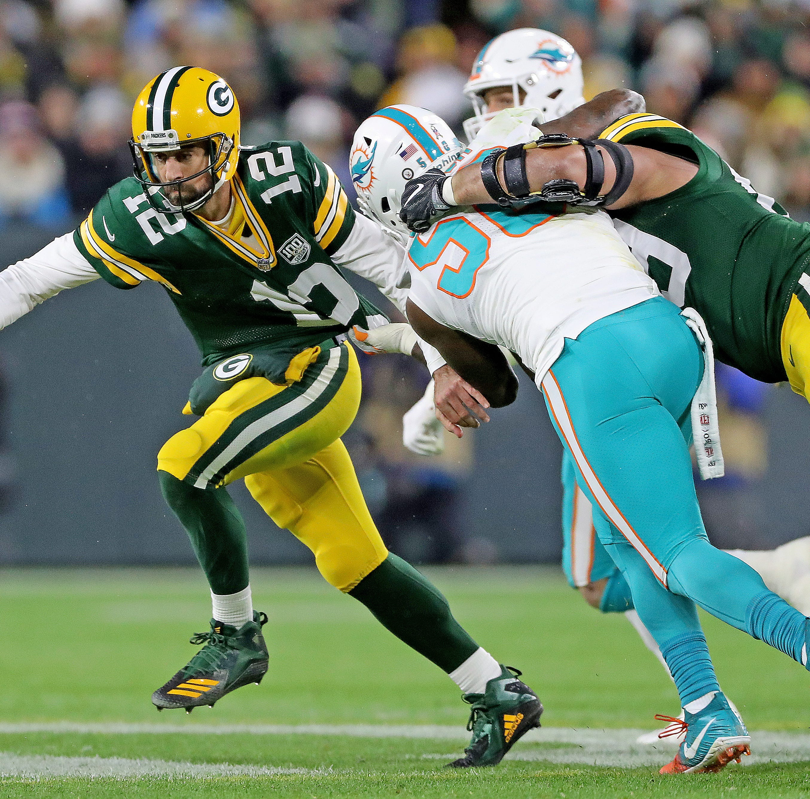 Keeping Packers QB Aaron Rodgers 'clean' puts focus on pass protection