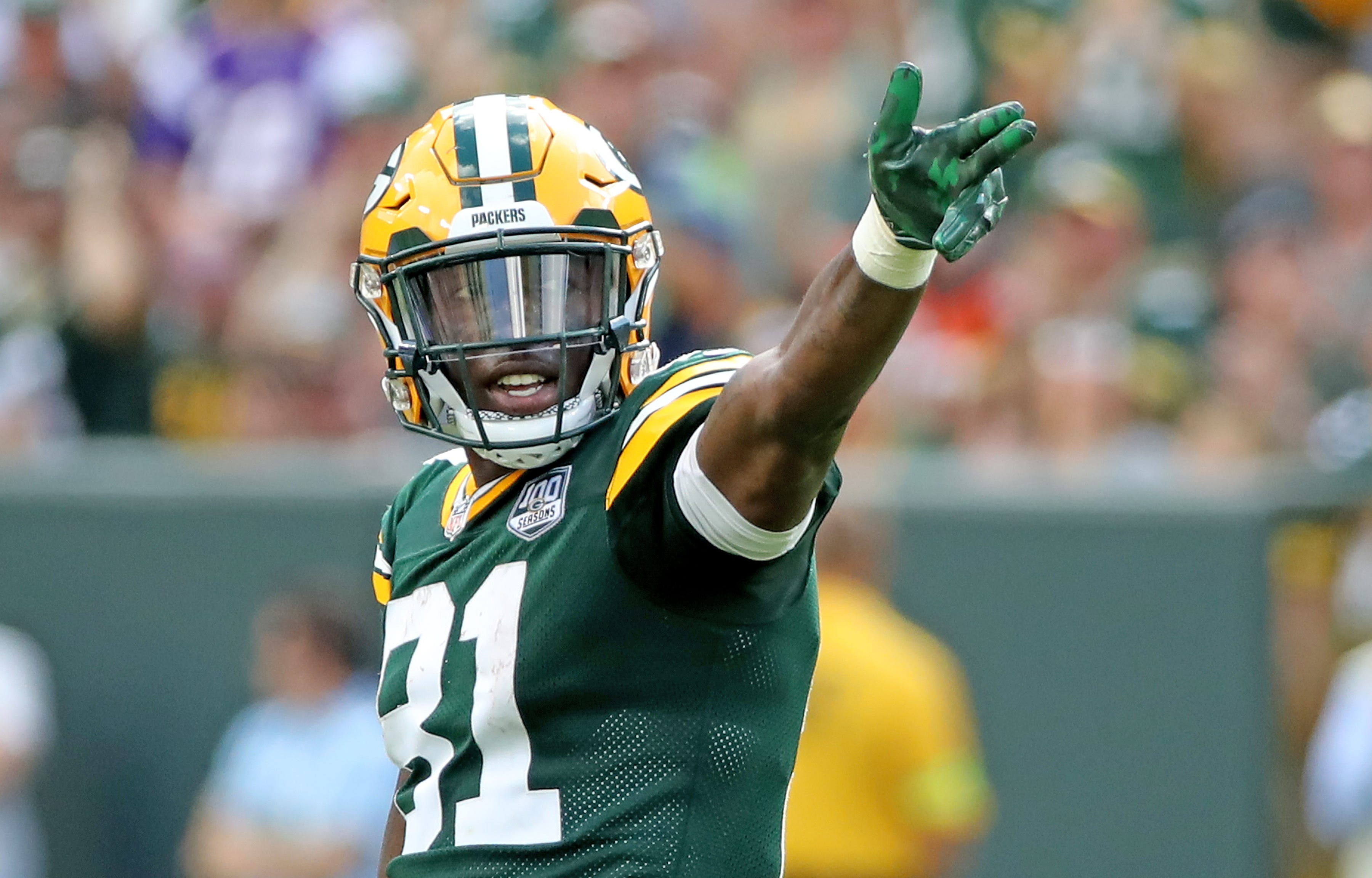 Packers WR Geronimo Allison gets life advice from comedian Steve Harvey on talk show