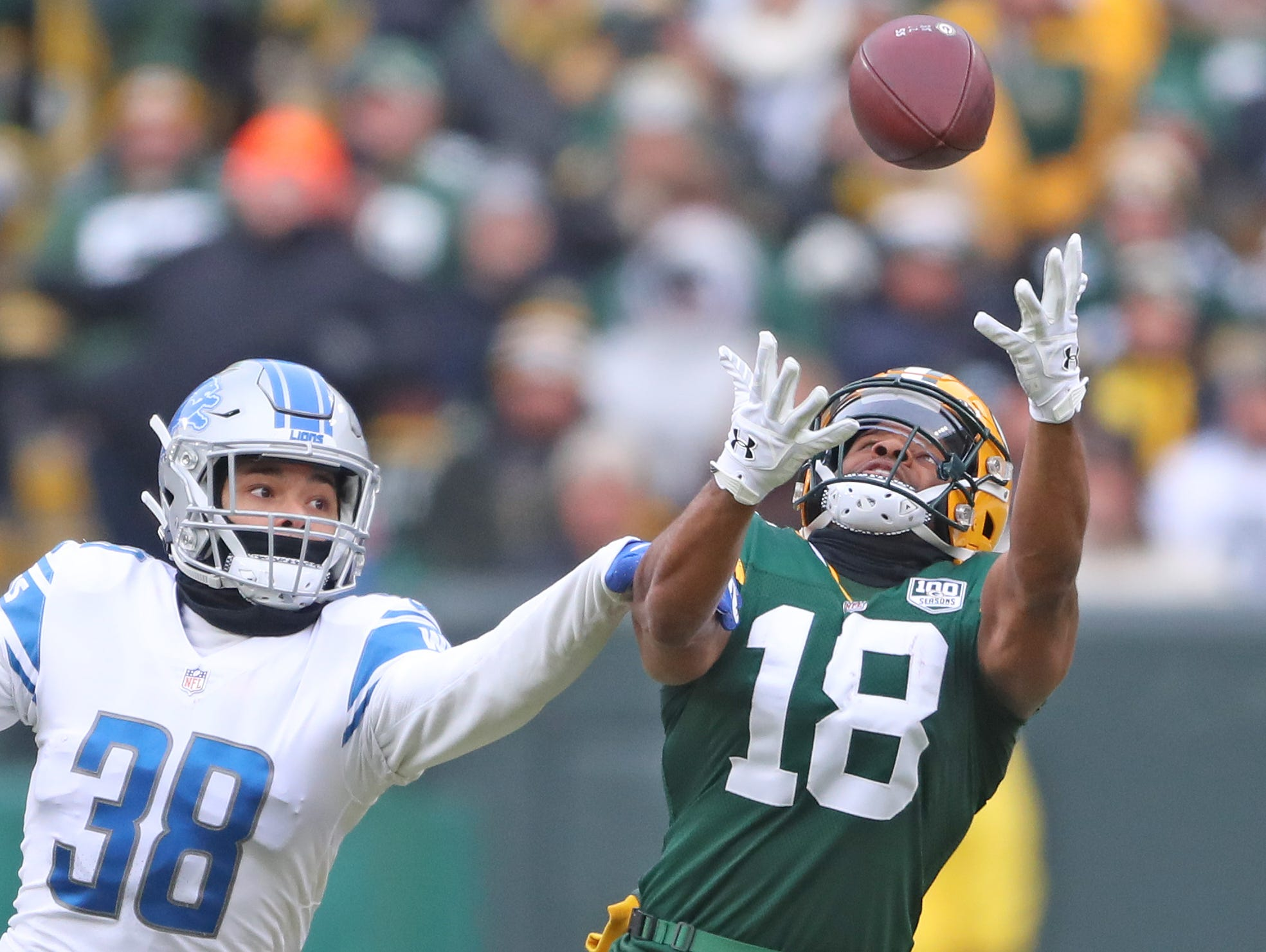 Green Bay Packers wide receiver Randall Cobb (18) just misses a catch against the Detroit Lions at Lambeau Field Sunday, December 30, 2018 in Green Bay, Wis.