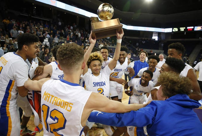 Phoenix Shadow Mountain celebrates its second consecutive 4A boys basketball championship after defeating Tucson Salpointe Catholic.