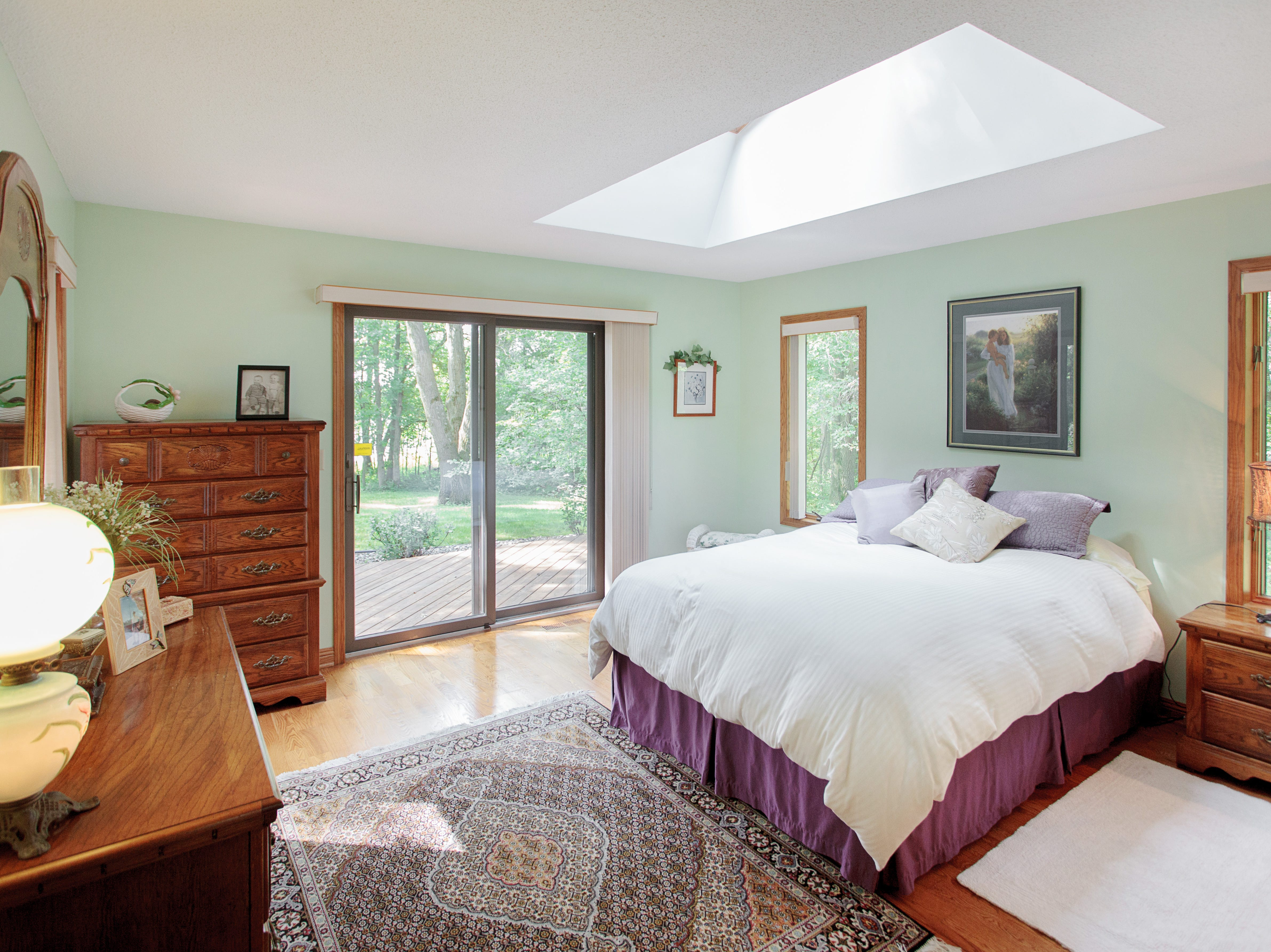 The master bedroom features its own large skylight for nighttime viewing.