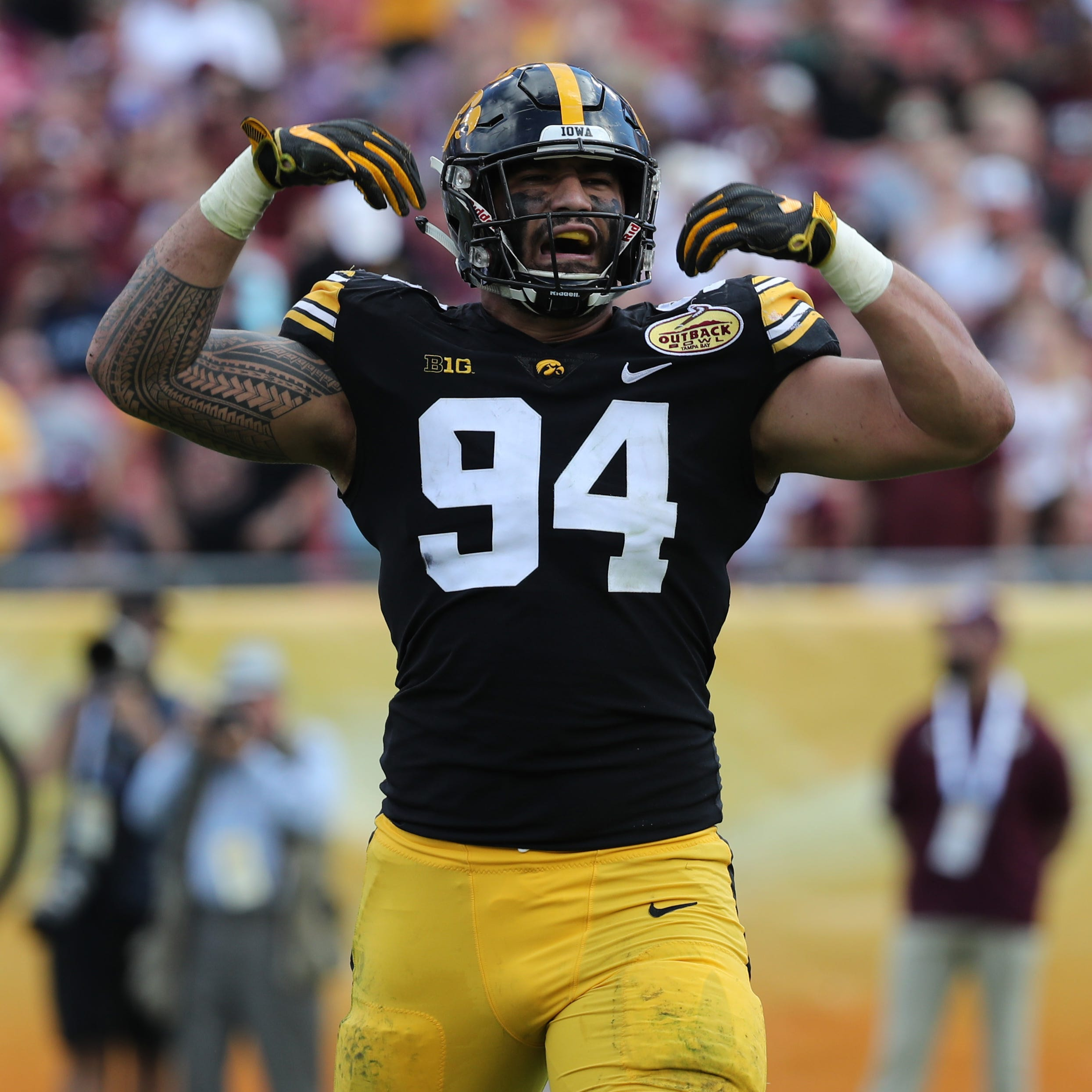 Leistikow: Iowa's A.J. Epenesa is ready for his year in the spotlight