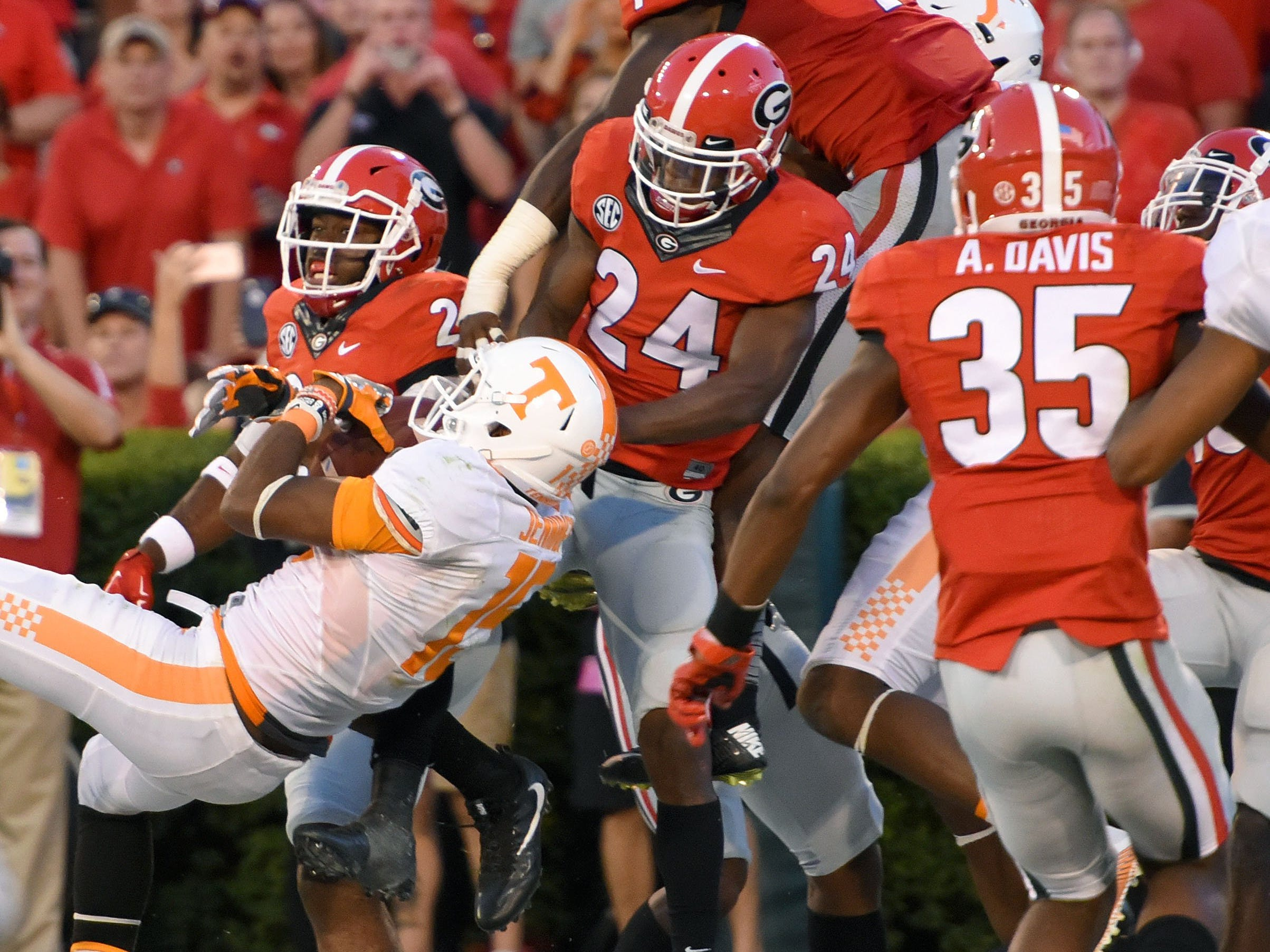 Tennessee wide receiver Jauan Jennings (15) comes down with winning touchdown in their 34-31 win over  Georgia at Sanford Stadium Saturday, Oct. 1, 2016 in Athens, Ga.