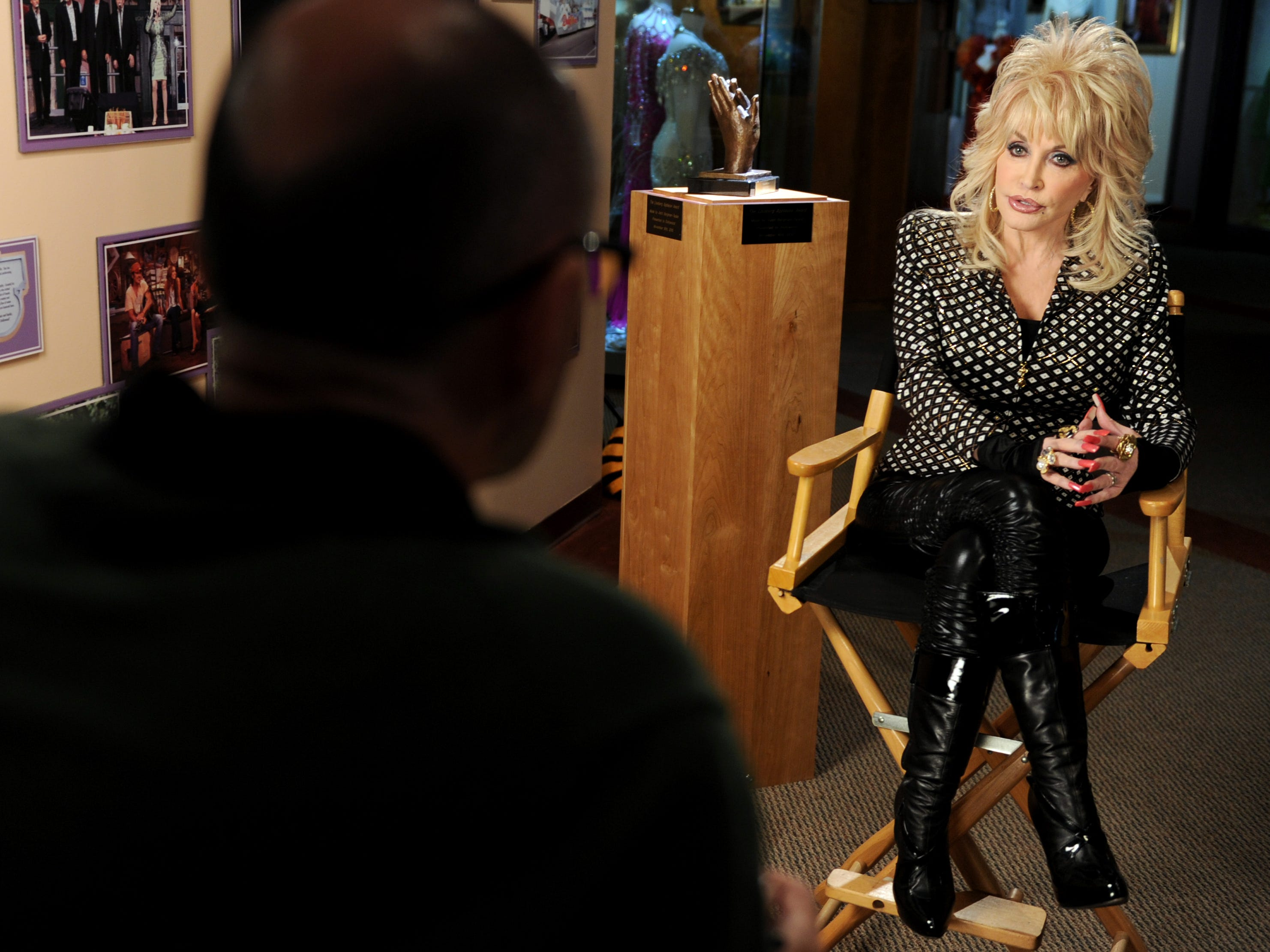 An interview with Dolly Parton  Friday, May. 6, 2011 to talk about Dollywood winning The Liseberg Applause Award.