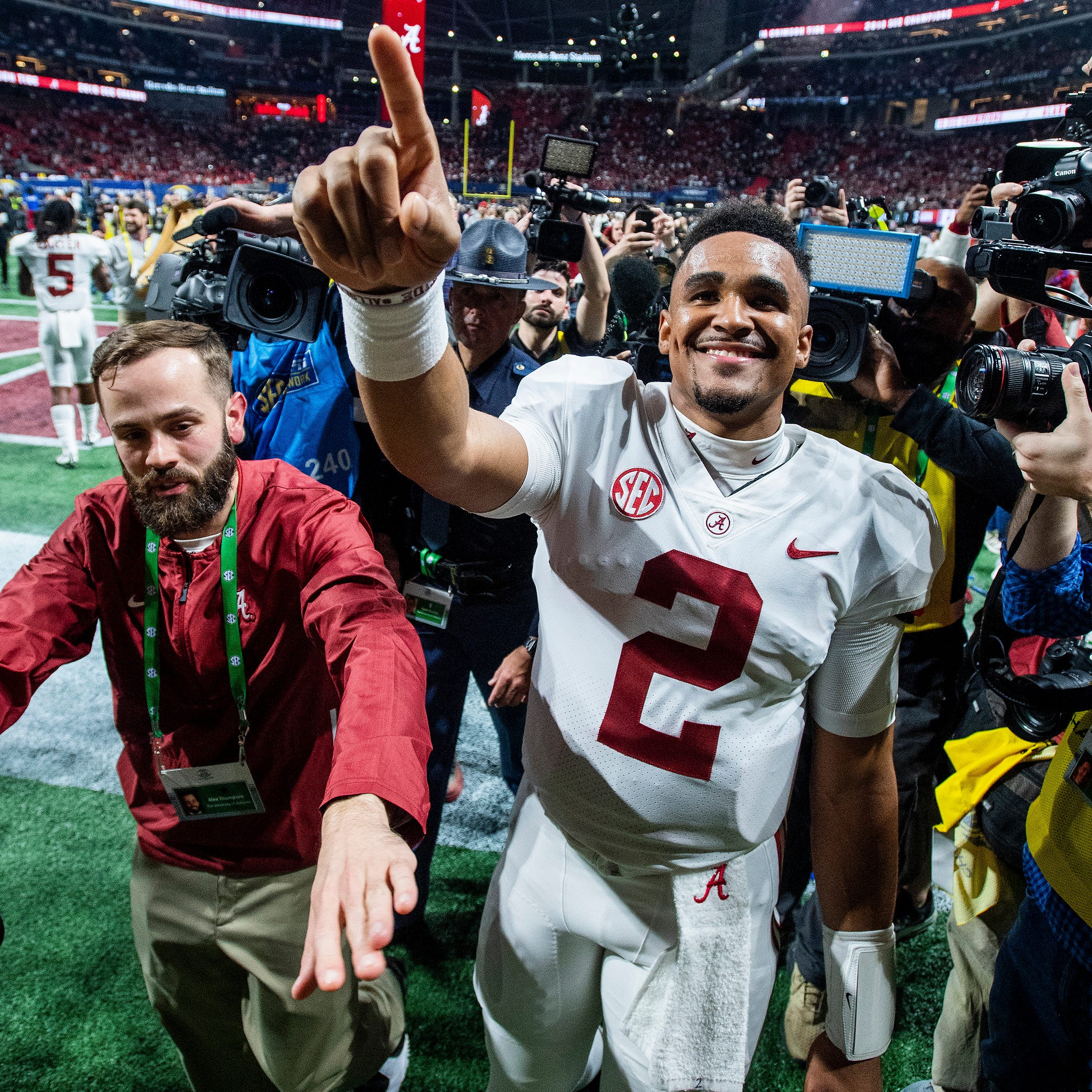Alabama QB Jalen Hurts headed to Oklahoma as grad transfer