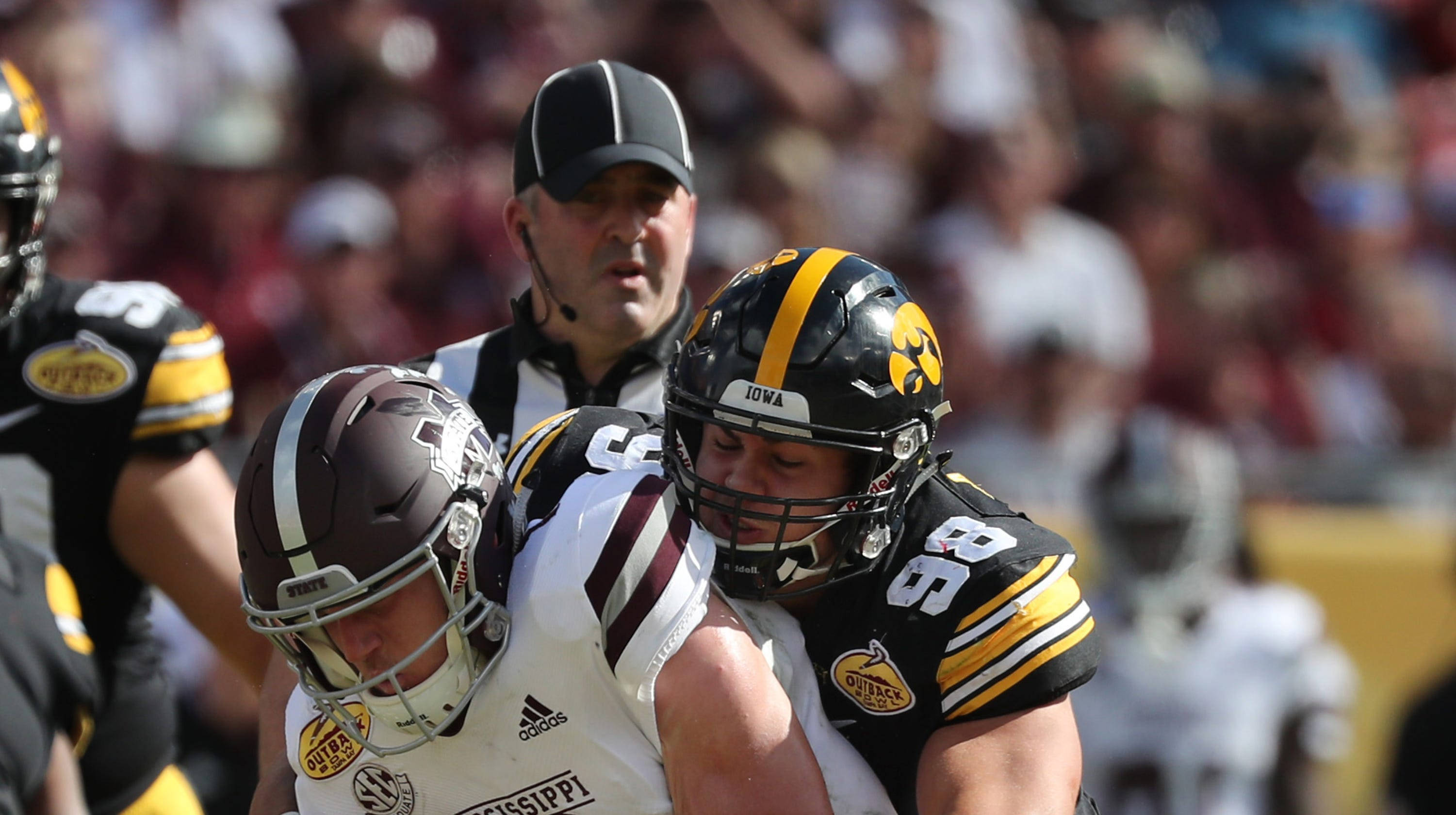 Iowa football: Anthony Nelson enters NFL draft, will forgo ...
