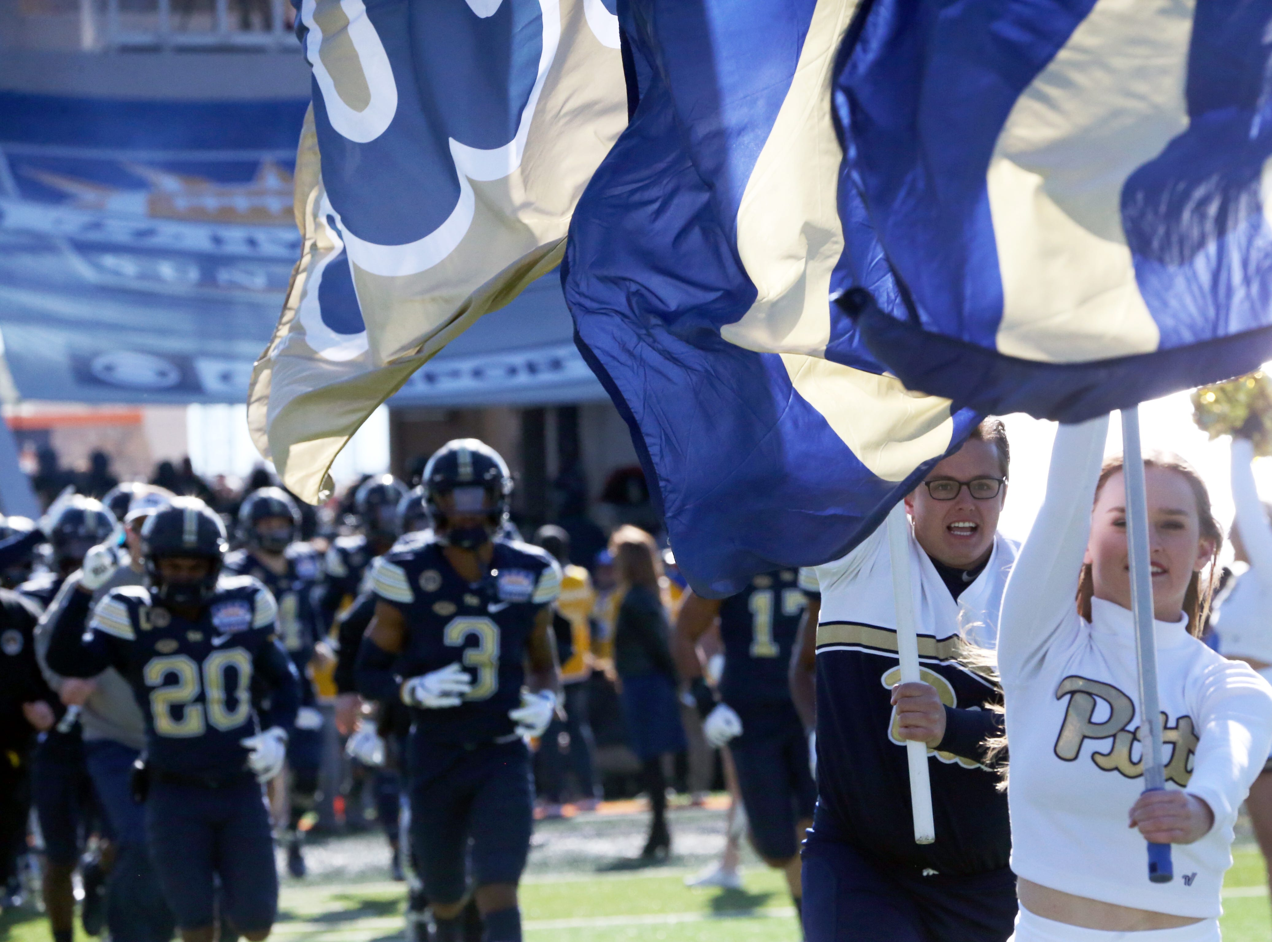 The Pitt Panthers take the field against the Stanford Cardinal Monday.