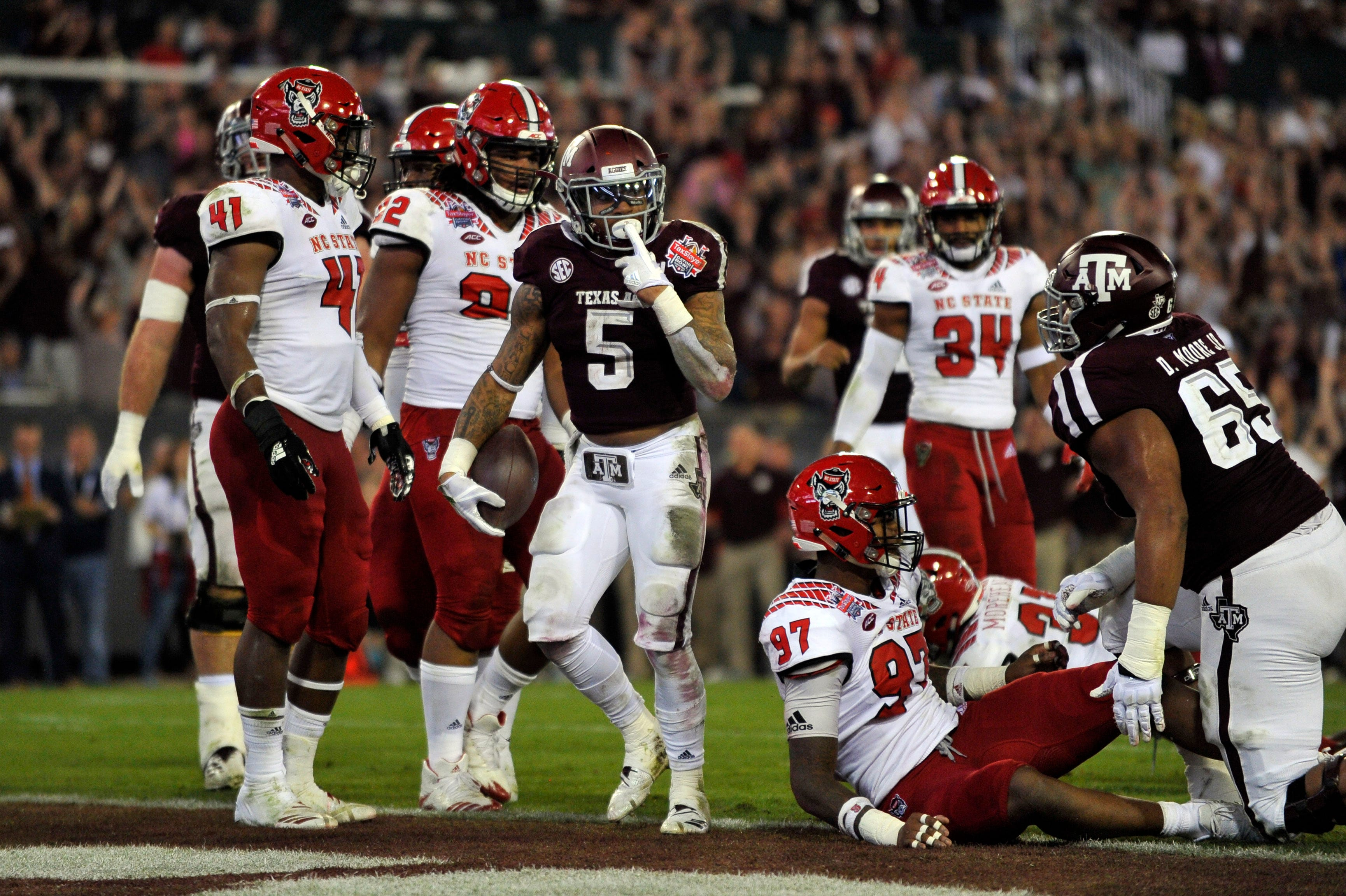 Trayveon Williams' record-setting night powers Texas A&M to Gator Bowl win
