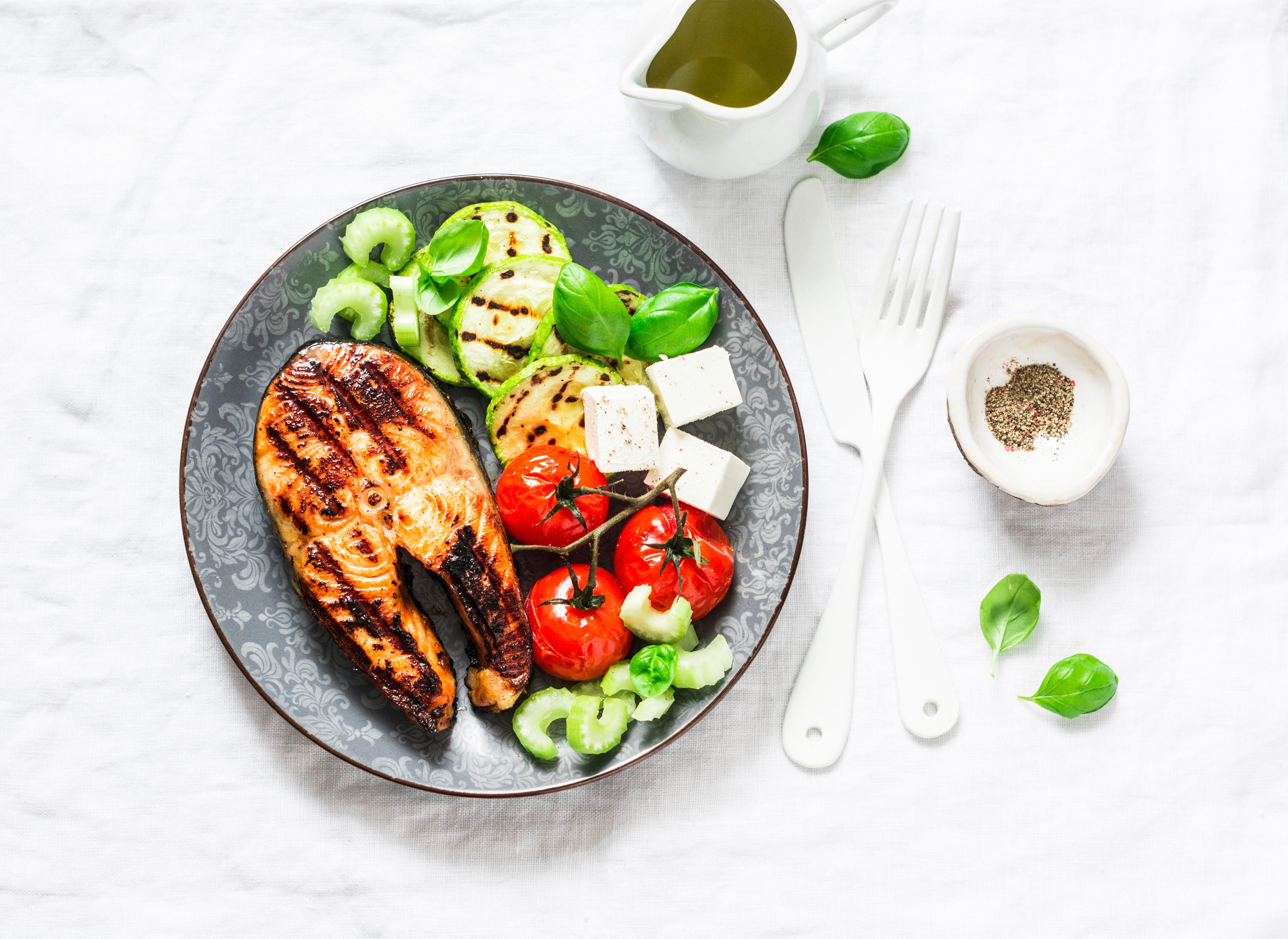 mediterranean diet is best way to eat in 2019  say u s  news rankings