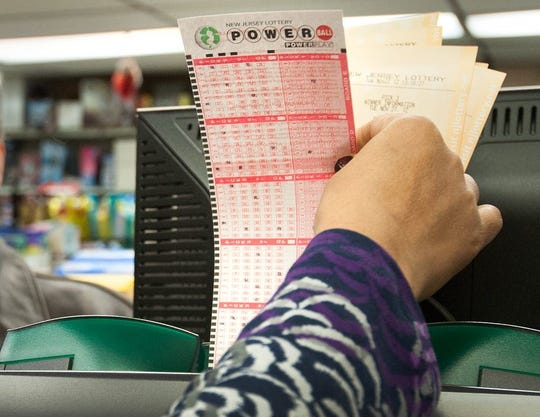 New Mexico lottery officials are looking for a person holding a $1 million winning Powerball ticket.