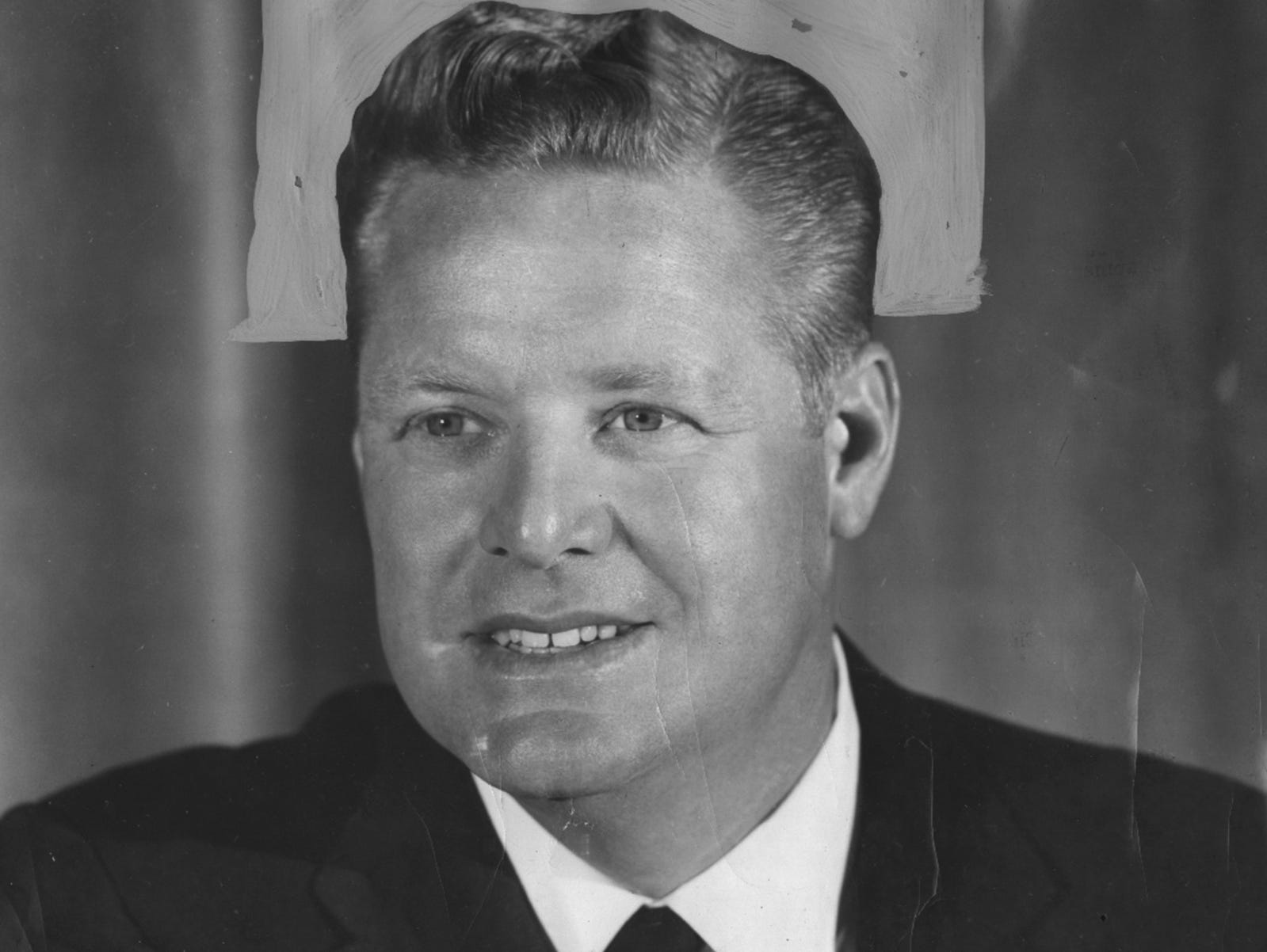George Bryson was the broadcaster for the first regularly scheduled season of WLWT broadcasting he Reds' games.