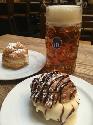Cream puffs and bier at Hofbrauhaus